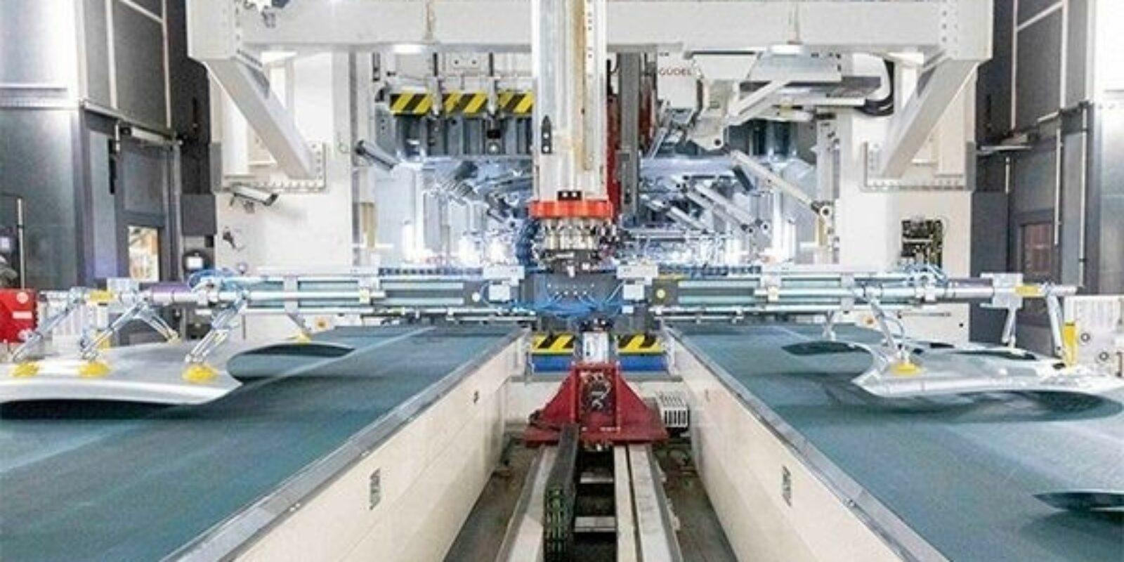 Maquinària de la fàbrica de Seat a la Zona Franca / Europa Press - SEAT
