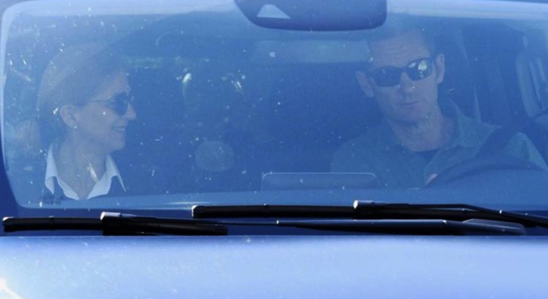 Cristina i Urdangarin, de camí a la presó en cotxe / Europa Press