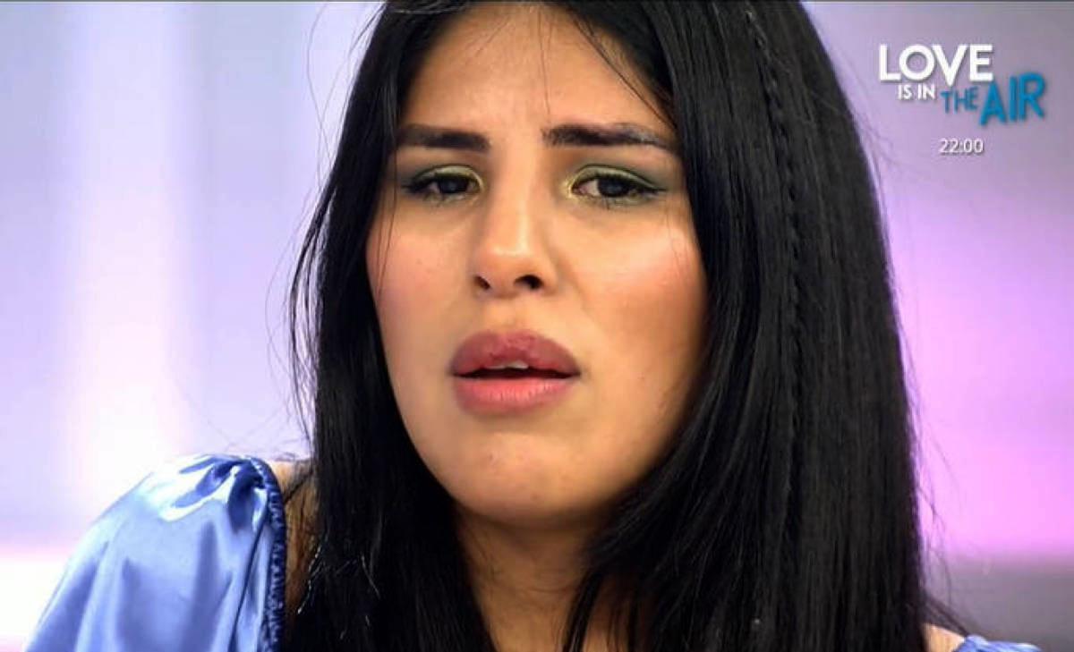 Isa Pantoja trenca a plorar en directe / Telecinco
