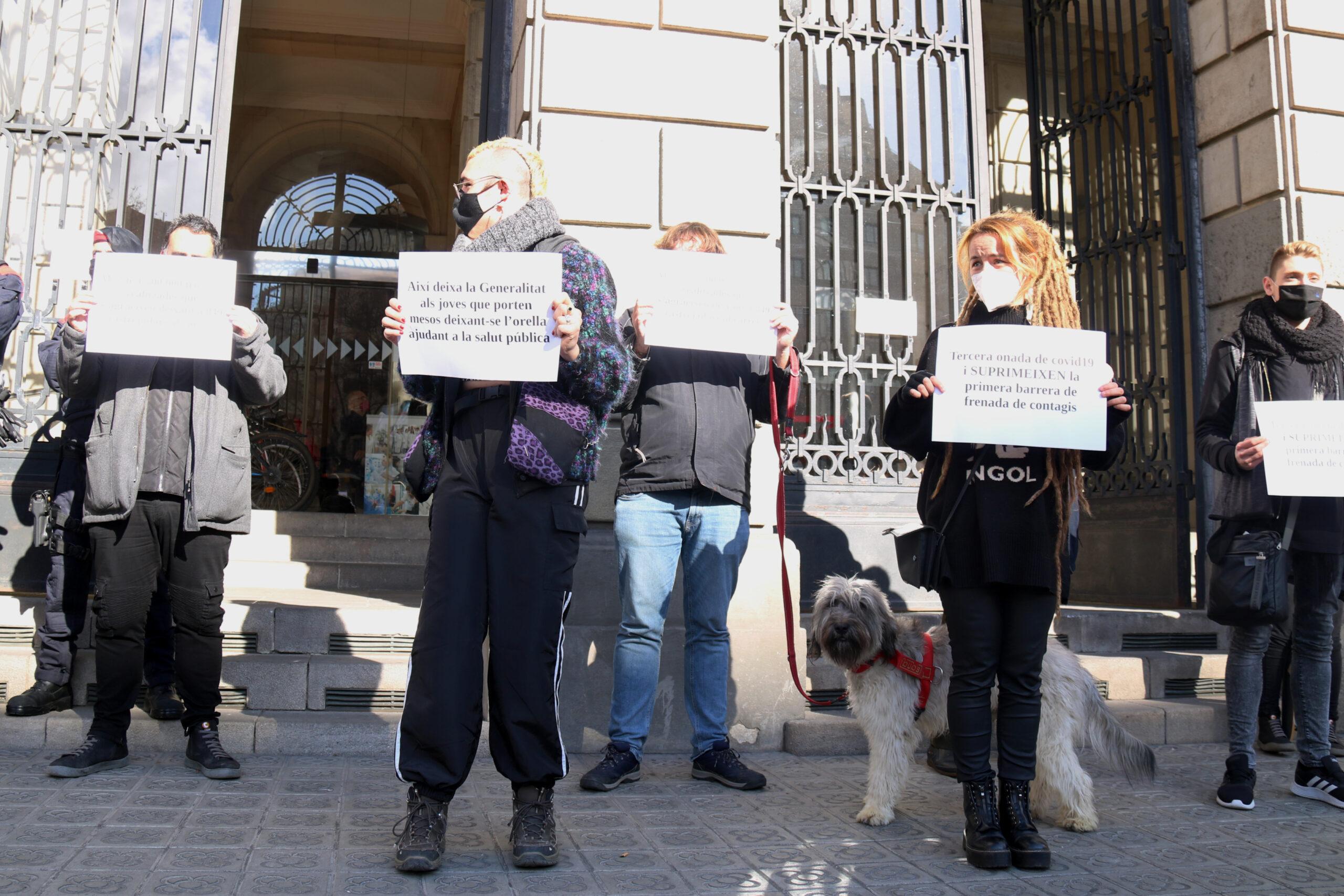 Els rastrejadors contractats per Ferrovial en una protesta davant l'ICS | ACN