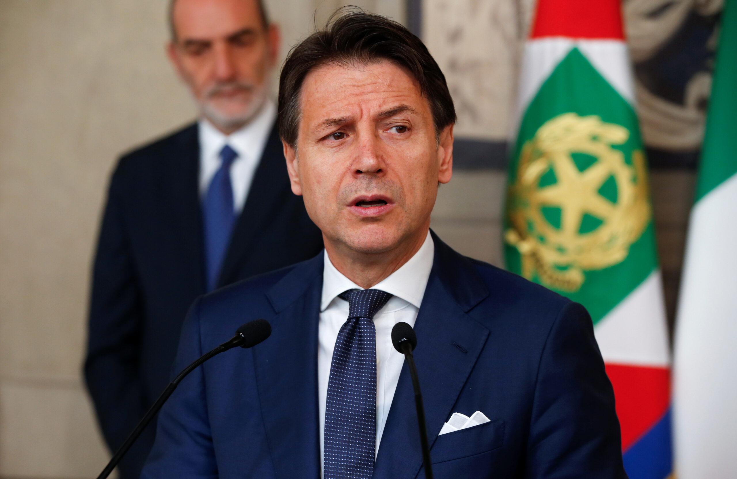 El primer ministre italià Giuseppe Conte parla als mitjans de comunicació al Palau Presidencial del Quirinale   ACN