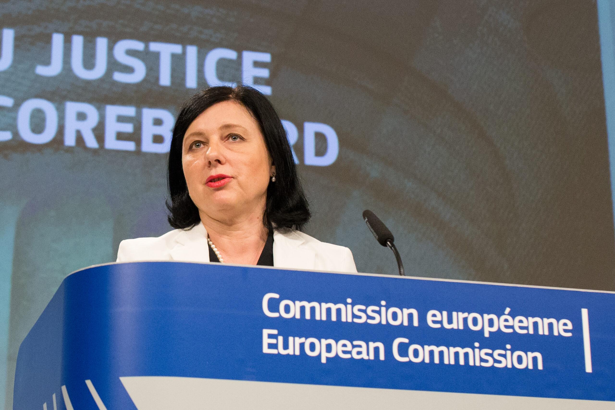 L'eurocomissària de Justícia, Vera Jourová, durant una roda de premsa | ACN