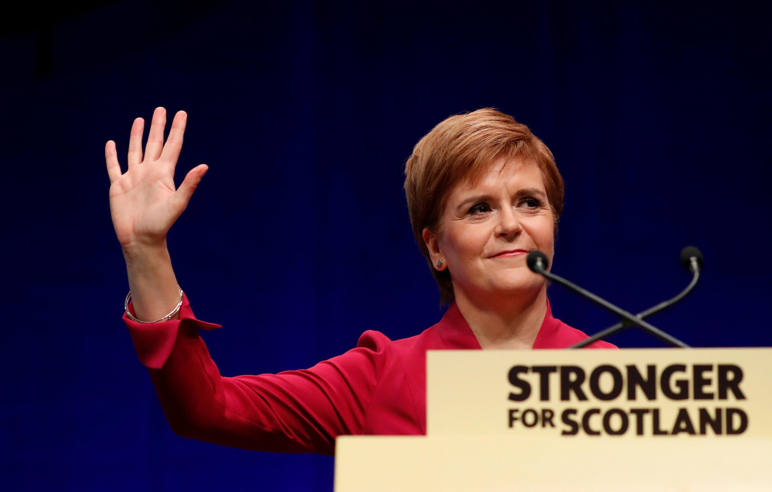 La primera ministra d'Escòcia, Nicola Sturgeon, durant la seva intervenció a la conferència de tardor de l'SNP a Aberdeen, Escòcia | ACN