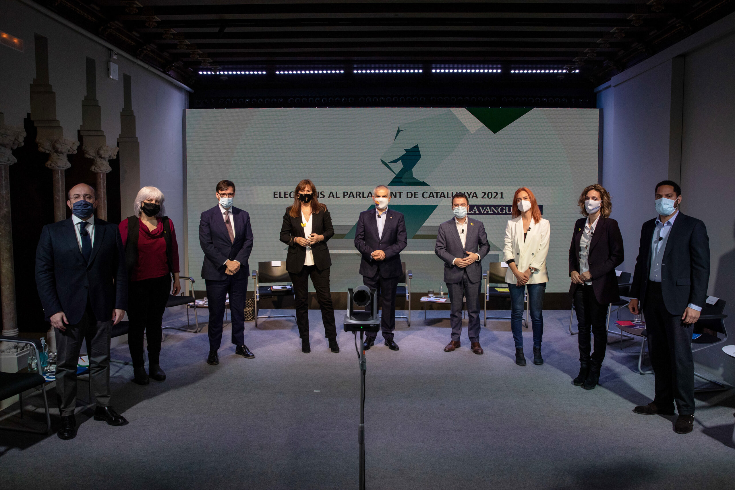 Pla general de tots els candidats i candidates a les eleccions del 14-F, organitzat per 'La Vanguardia', el 29 de gener de 2021 (Horitzontal)