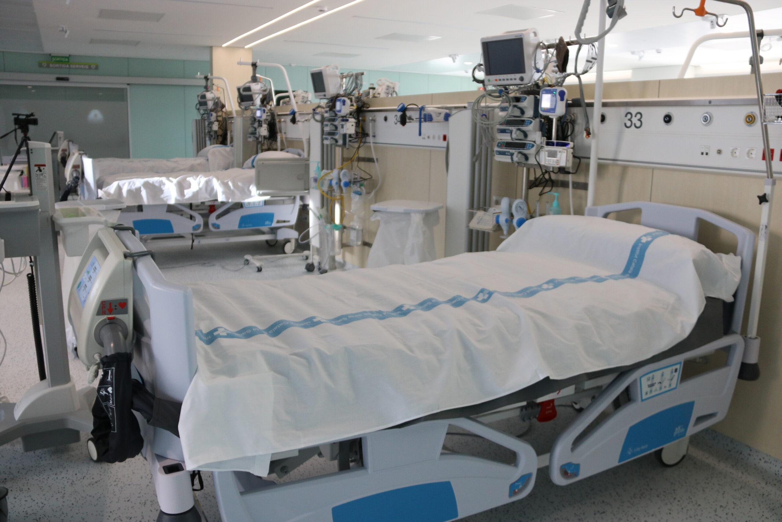 Llits al nou espai annex a l'hospital Germans Trias i Pujol / ACN
