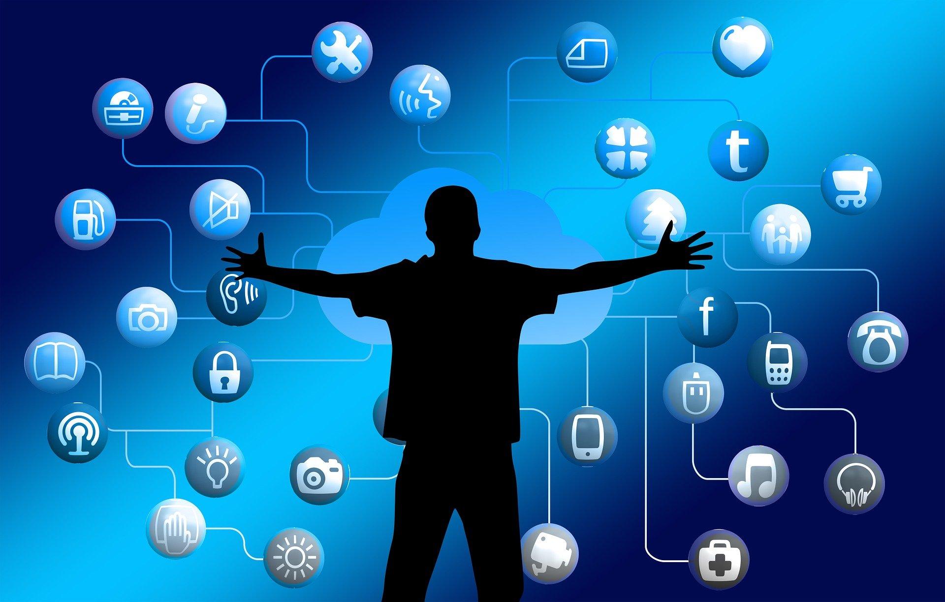 Les xarxes socials també han condicionat el rol dels mitjans de comunicació PIXABAY
