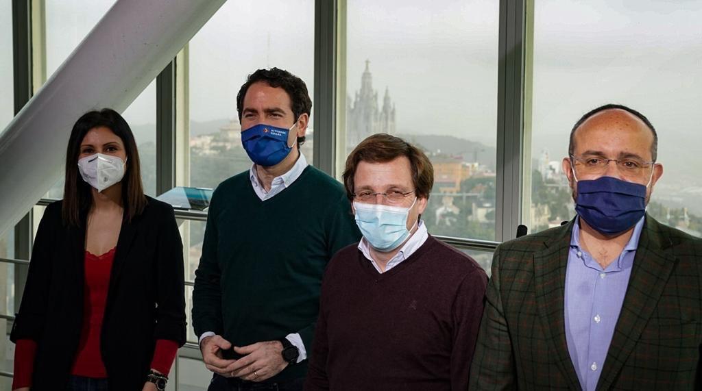 Lorena Roldán, Teodoro García Egea, José Luis Almeida i Alejandro Fernández, aquest migdia a Barcelona