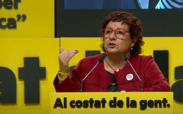Dolors Bassa en un míting a Girona durant la campanya del 14F