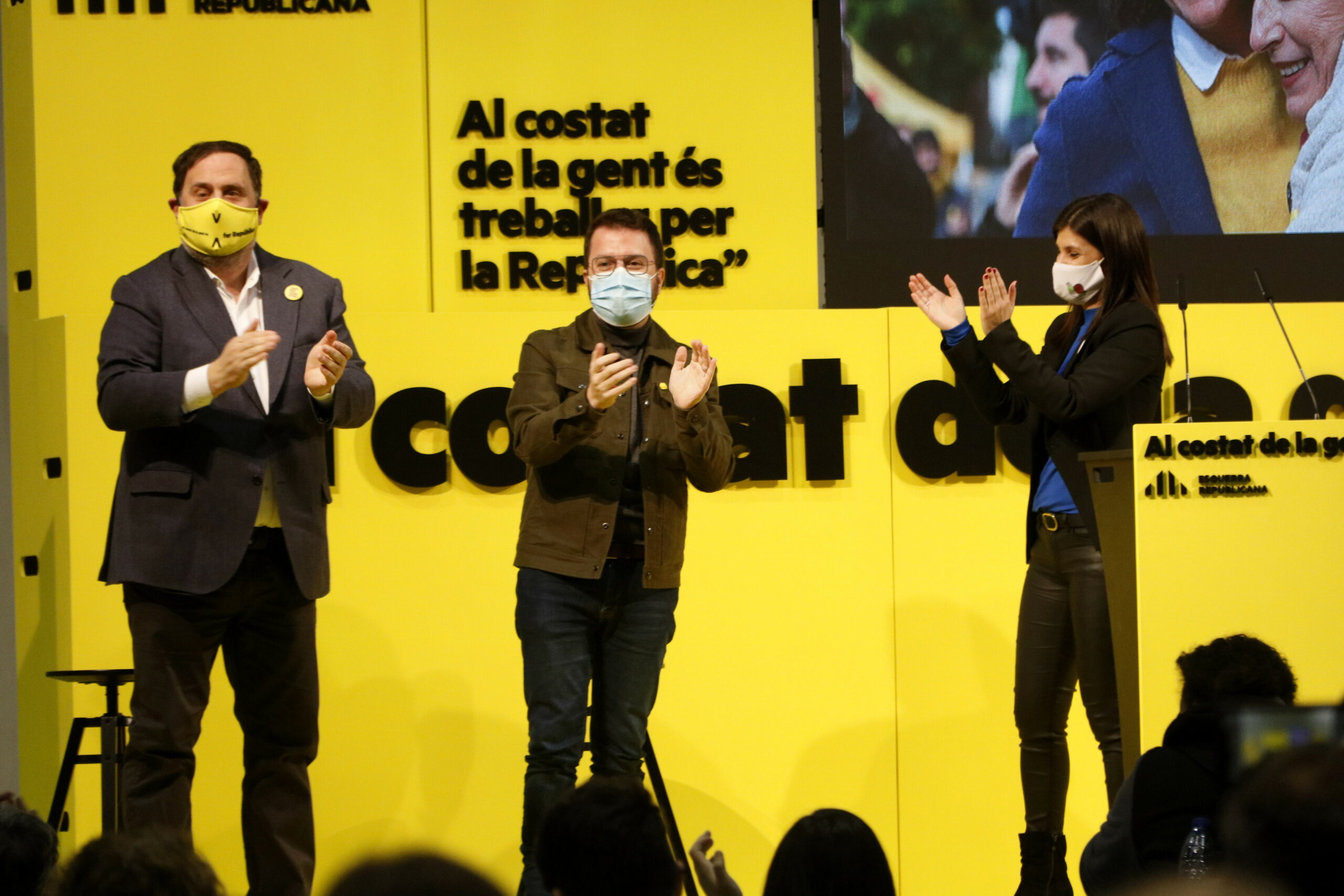 El president d'ERC, Oriol Junqueras, el cap de llista d'ERC per Barcelona, Pere Aragonès, i la cap de llista per Lleida Marta Vilalta en un míting a Lleida | ACN