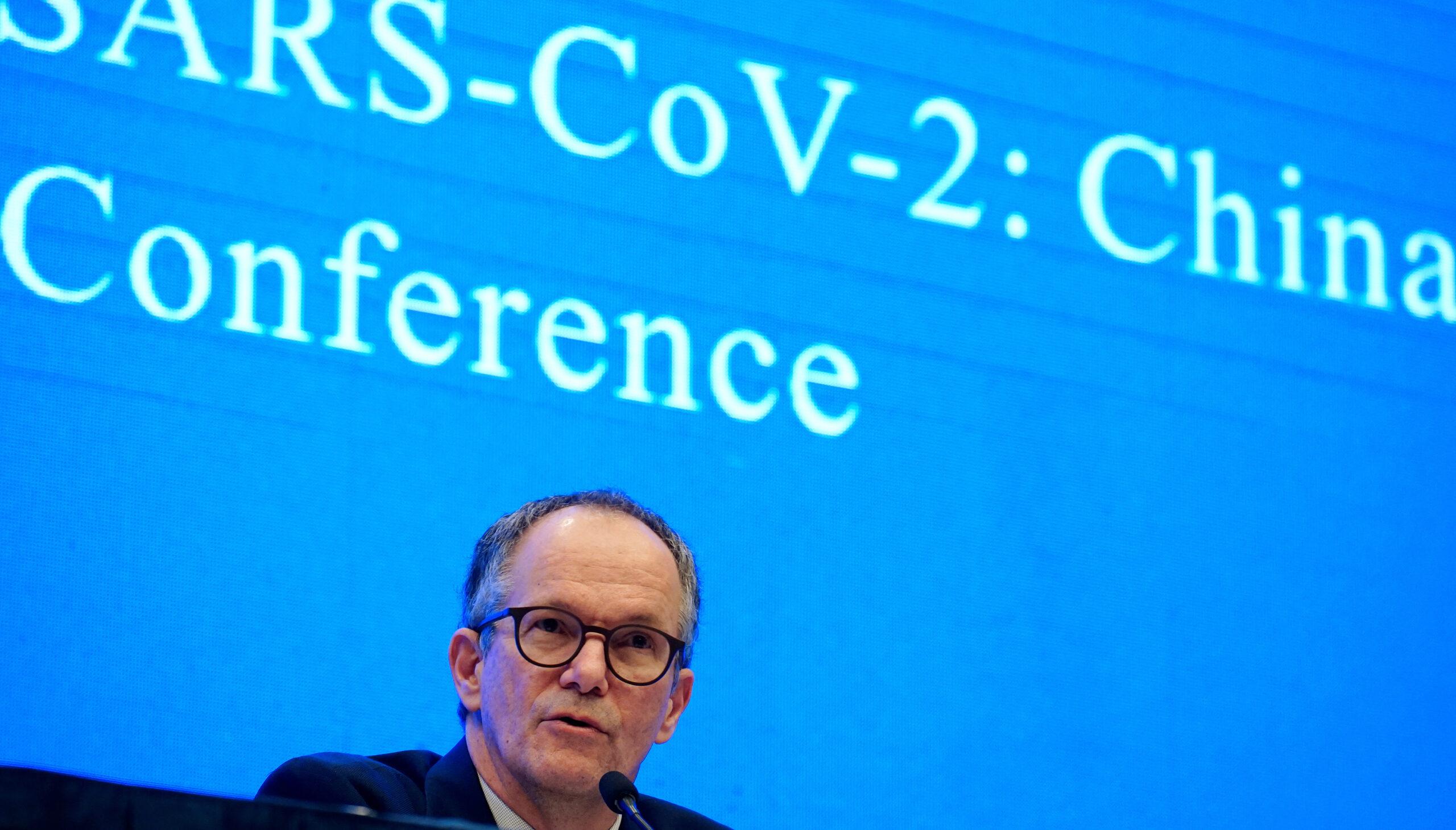 Peter Ben Embarek, membre de l'equip de l'Organització Mundial de la Salut (OMS) encarregat d'investigar els orígens de la malaltia del coronavirus (COVID-19), en una roda de premsa a Wuhan, província de Hubei | REUTERS / Aly Song