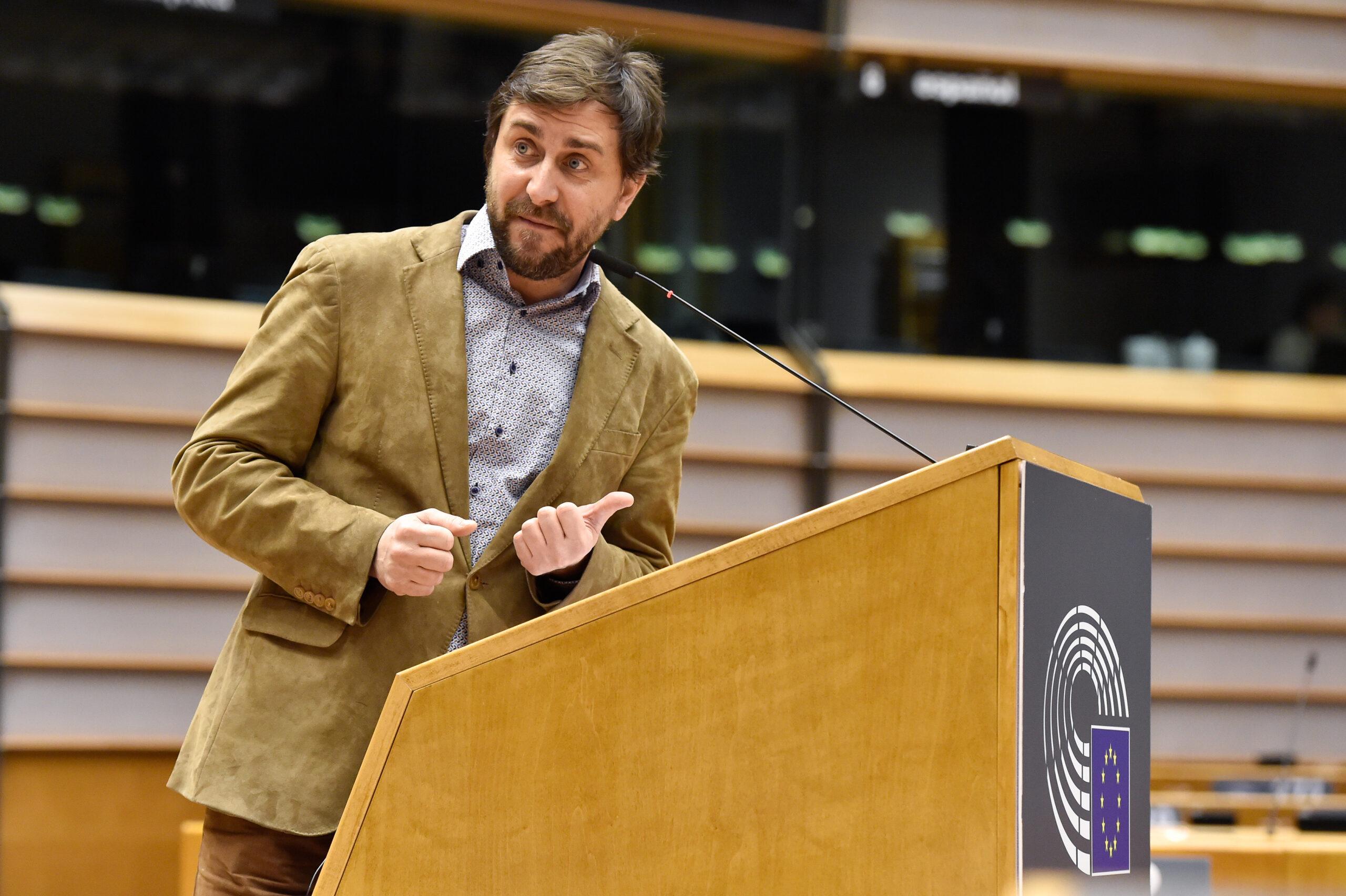 L'eurodiputat de Junts Toni Comín durant una intervenció al ple de l'Eurocambra sobre les vacunes | ACN