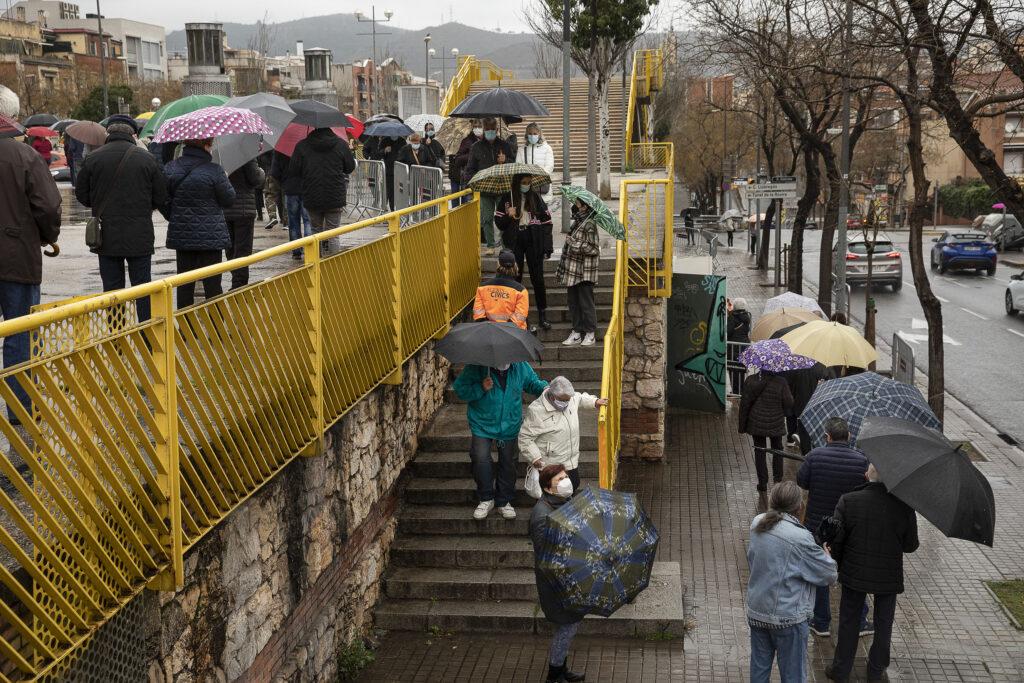 Cues per votar a Barcelona / Jordi Play
