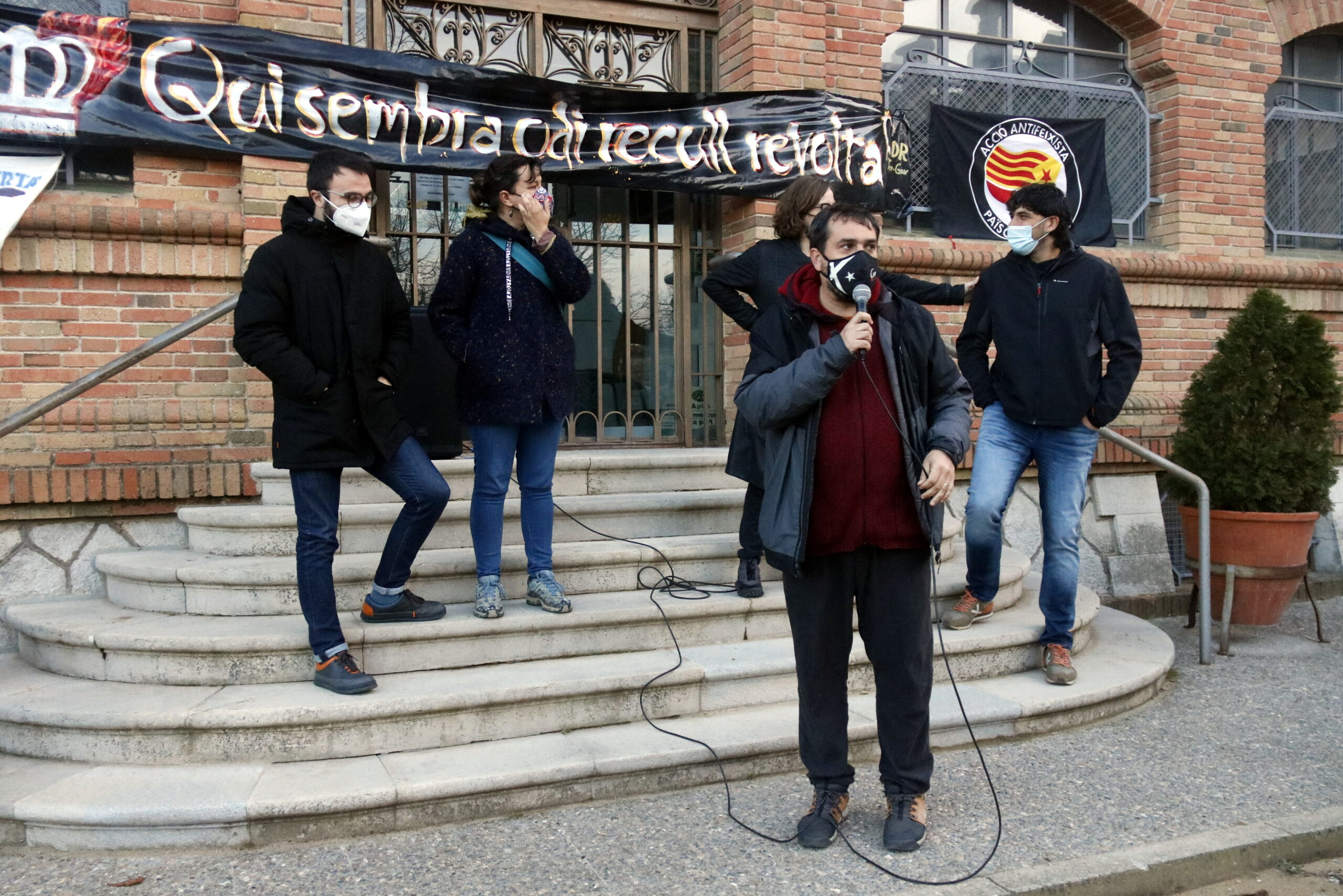 La concentració de suport a l'alcalde de Celrà i diputat electe de la CUP, Dani Cornellà | ACN