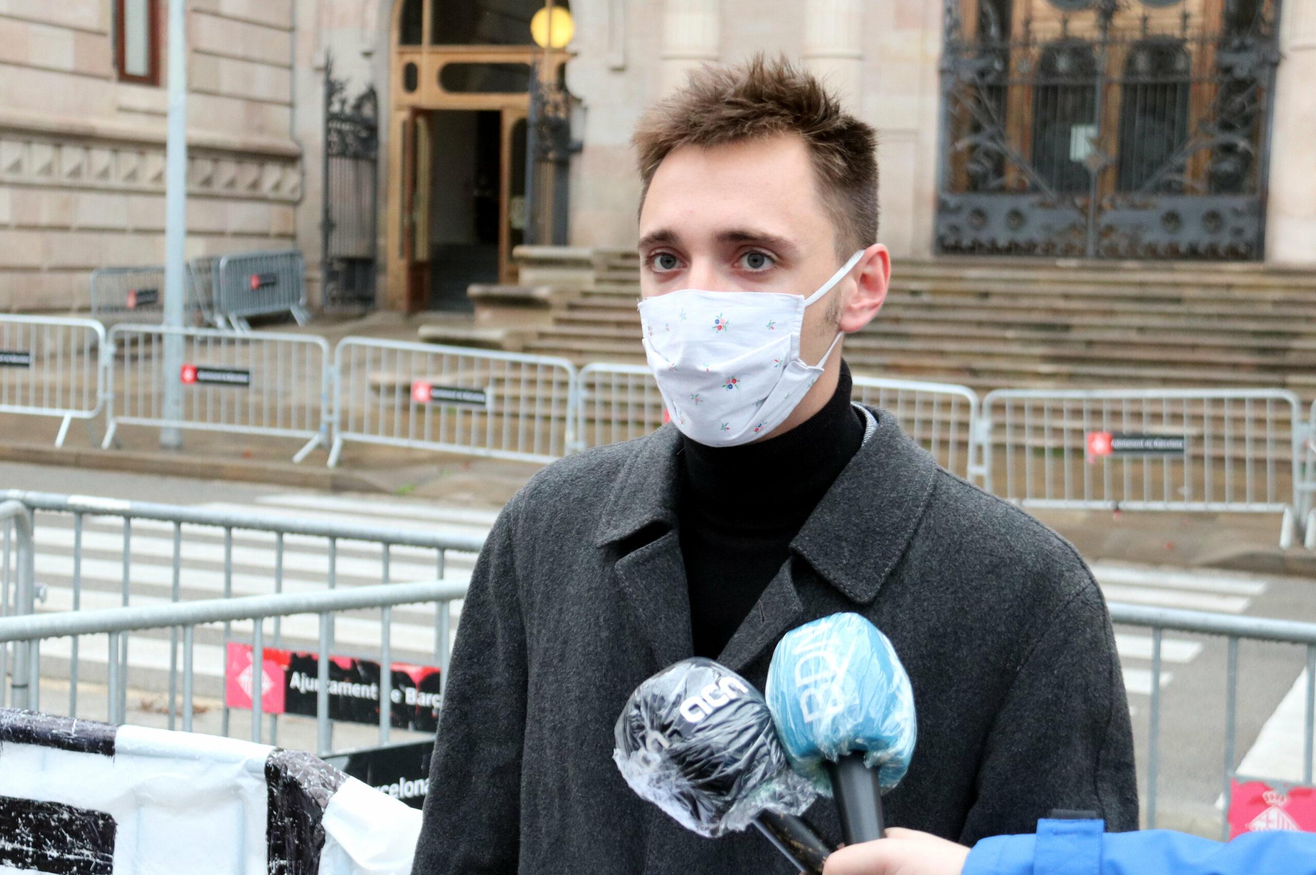 L'activista independentista Marcel Vivet en sortir del judici a l'Audiència de Barcelona (ACN)
