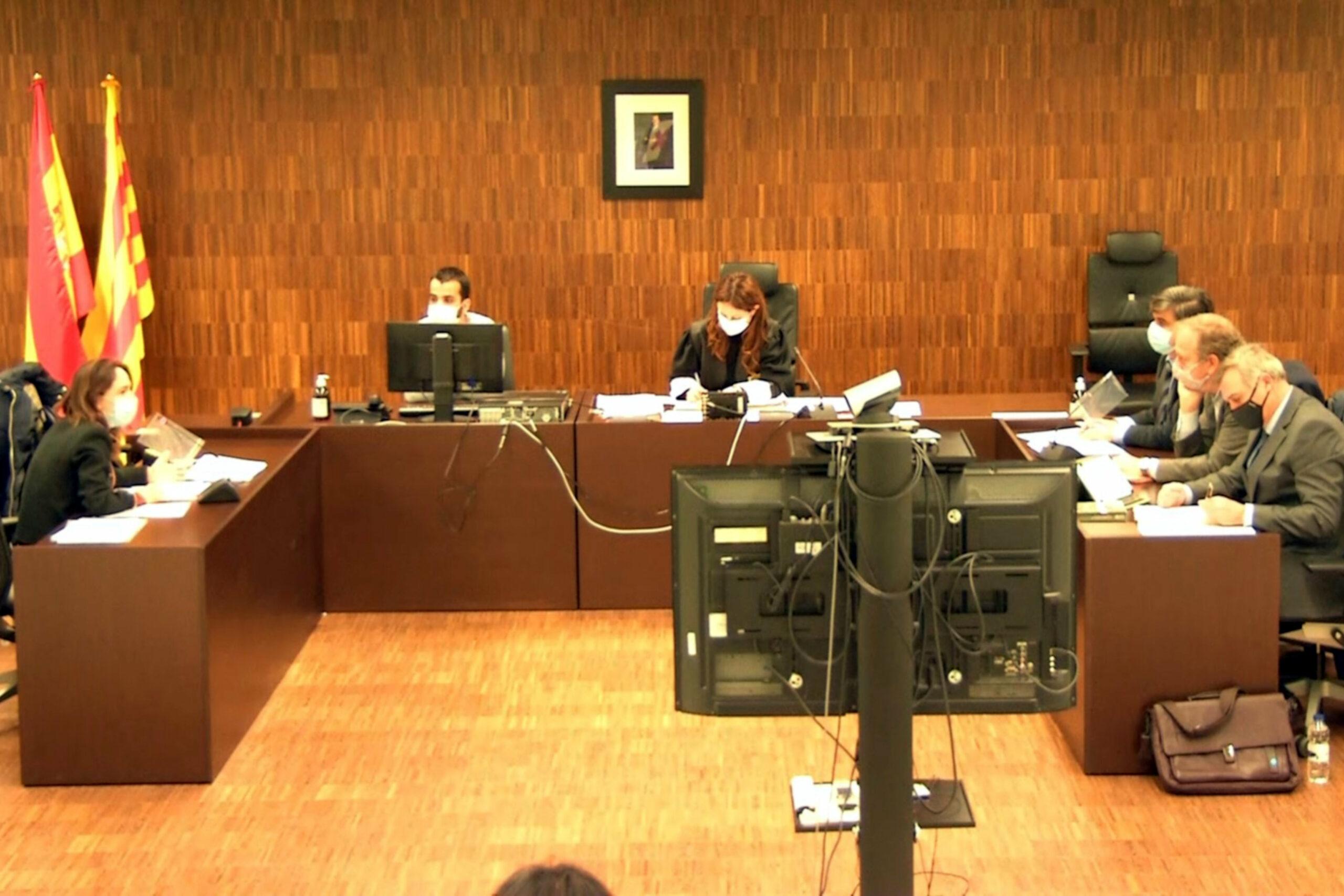 La sala durant el judici entre JxCat i PDeCAT   ACN