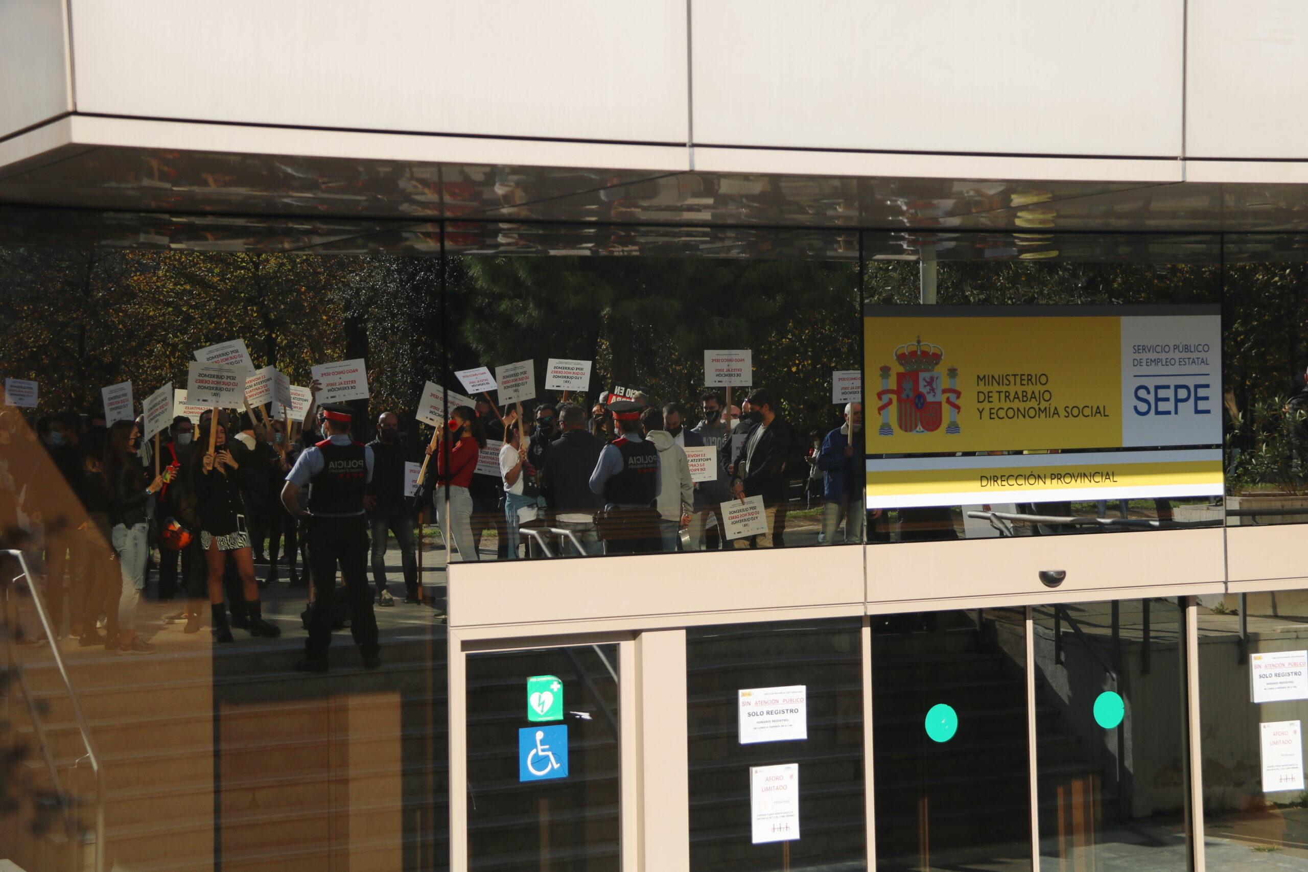 Façana de la delegació provincial del SEPE de Barcelona | ACN