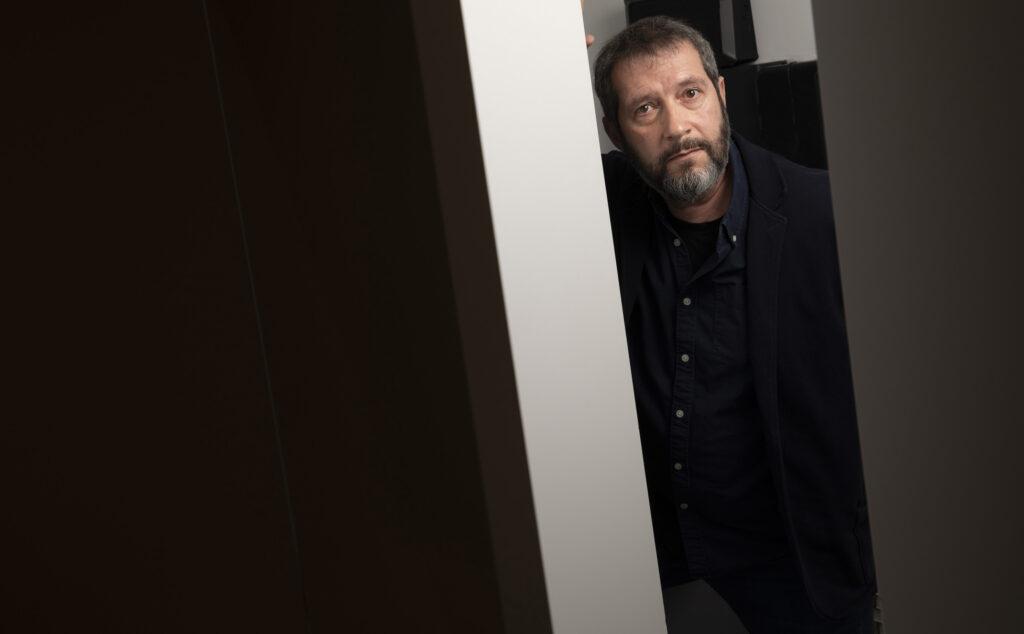 Carles Porta, periodista creador de 'Crims' i autor de 'La farmacèutica', el 25 de març del 2021 / Jordi Play