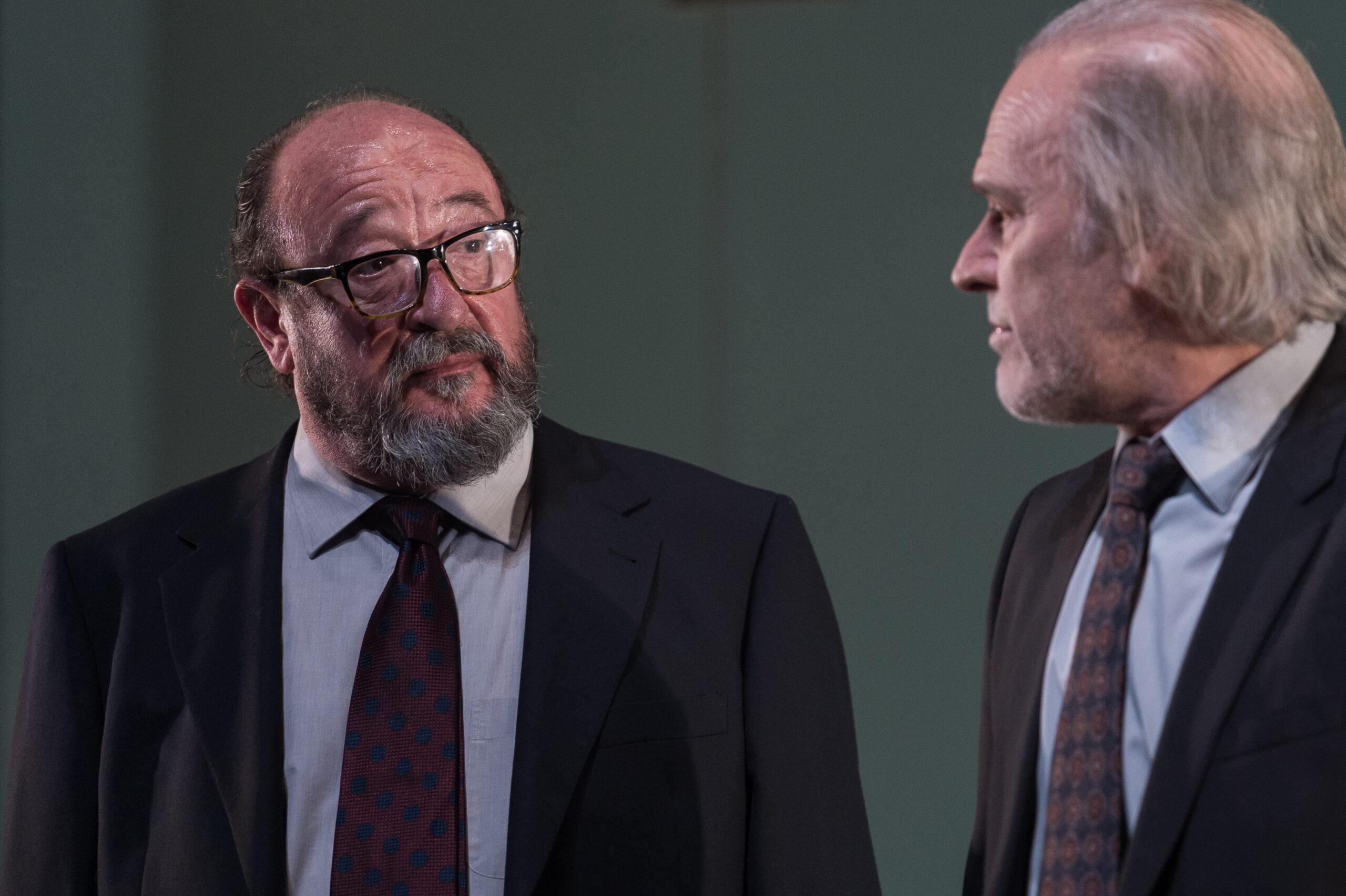 Pep Cruz, a l'esquerra interpretant 'El professor Bernhardi'   ACN