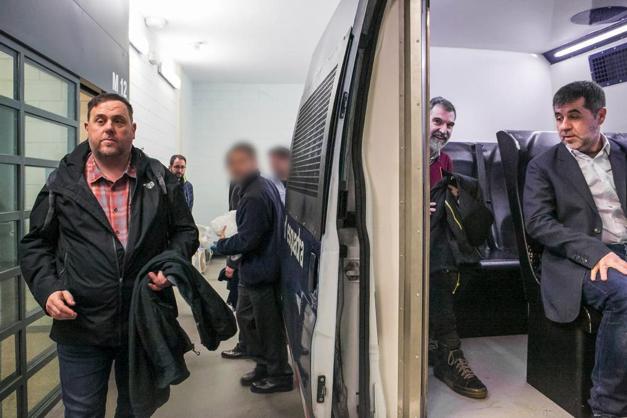 Trasllat dels presos polítics al judici de l'1-O