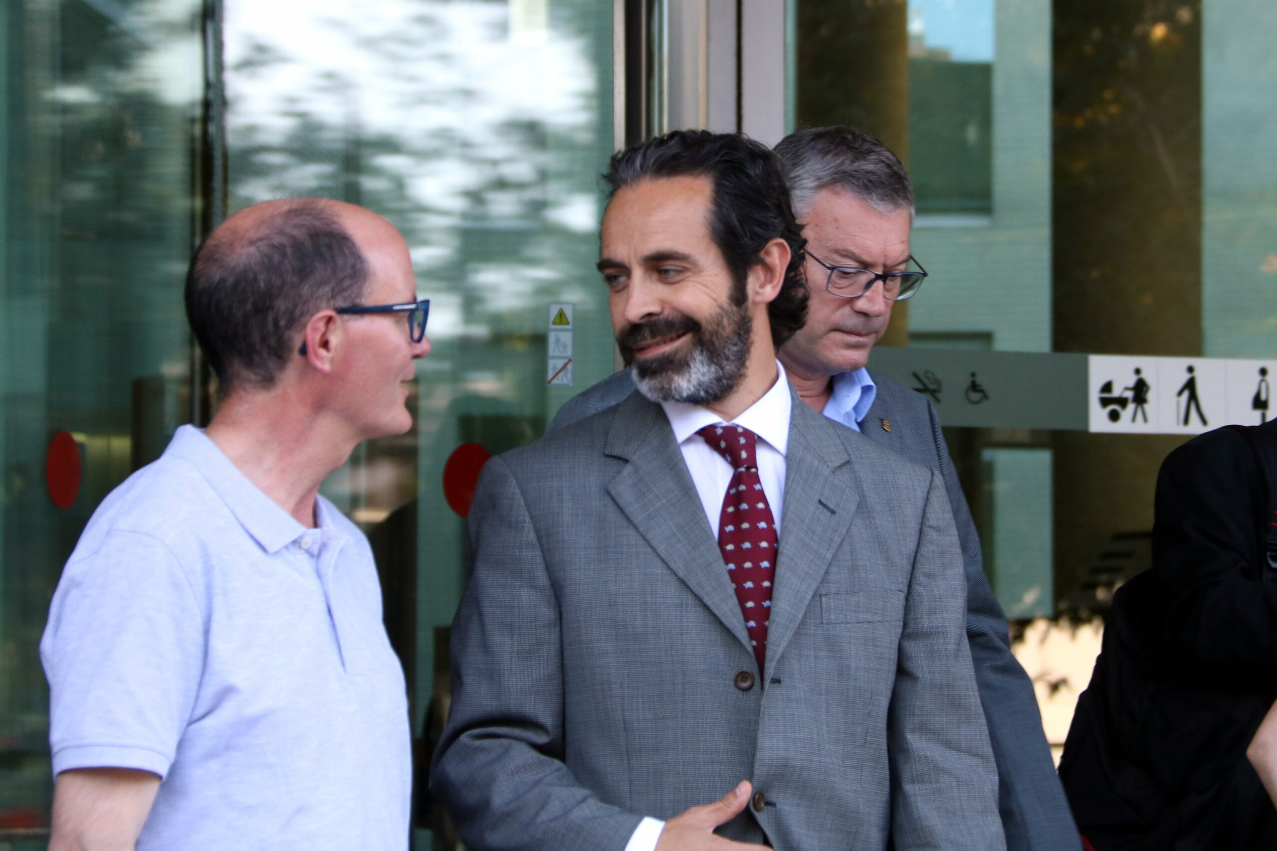 Antoni Molons un dels alts càrrecs investigats, a la sortida del jutjat 13/ACN