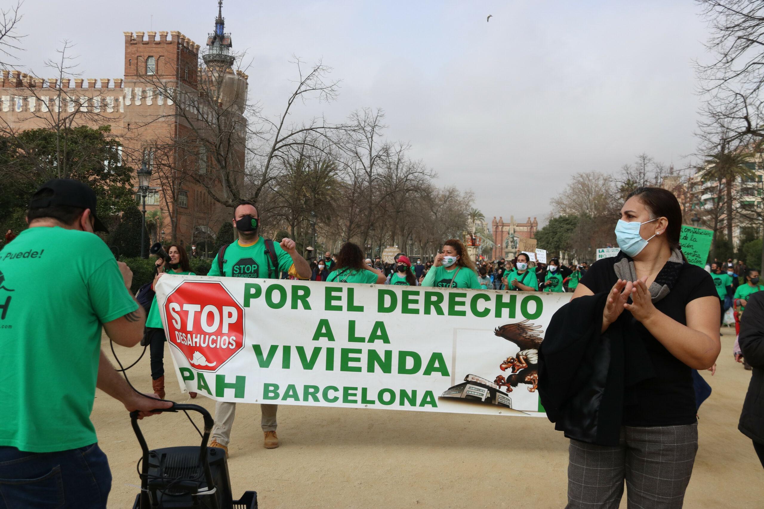 Manifestació en defensa del decret de l'habitatge tombat pel Tribunal Constitucional | ACN