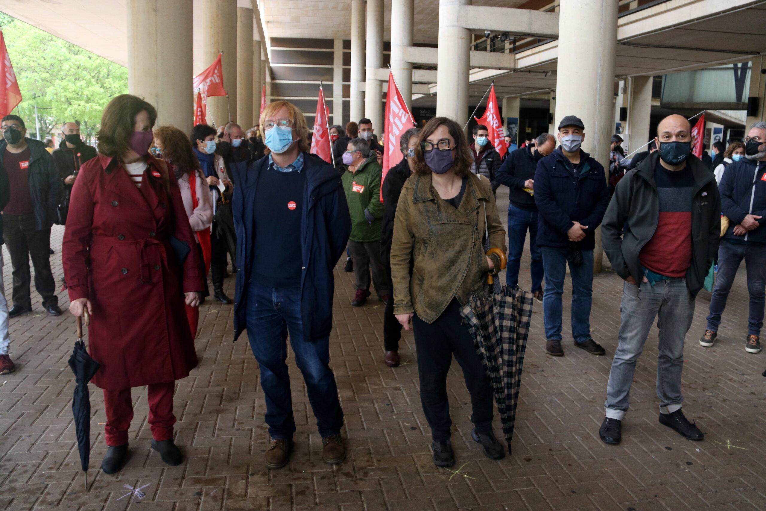 Elisenda Paluzie, Sergi Perelló, Eulàlia Reguant i Marcel Mauri, a la primera fila de l'acte central de la Intersindical aquest 1 de Maig / ACN