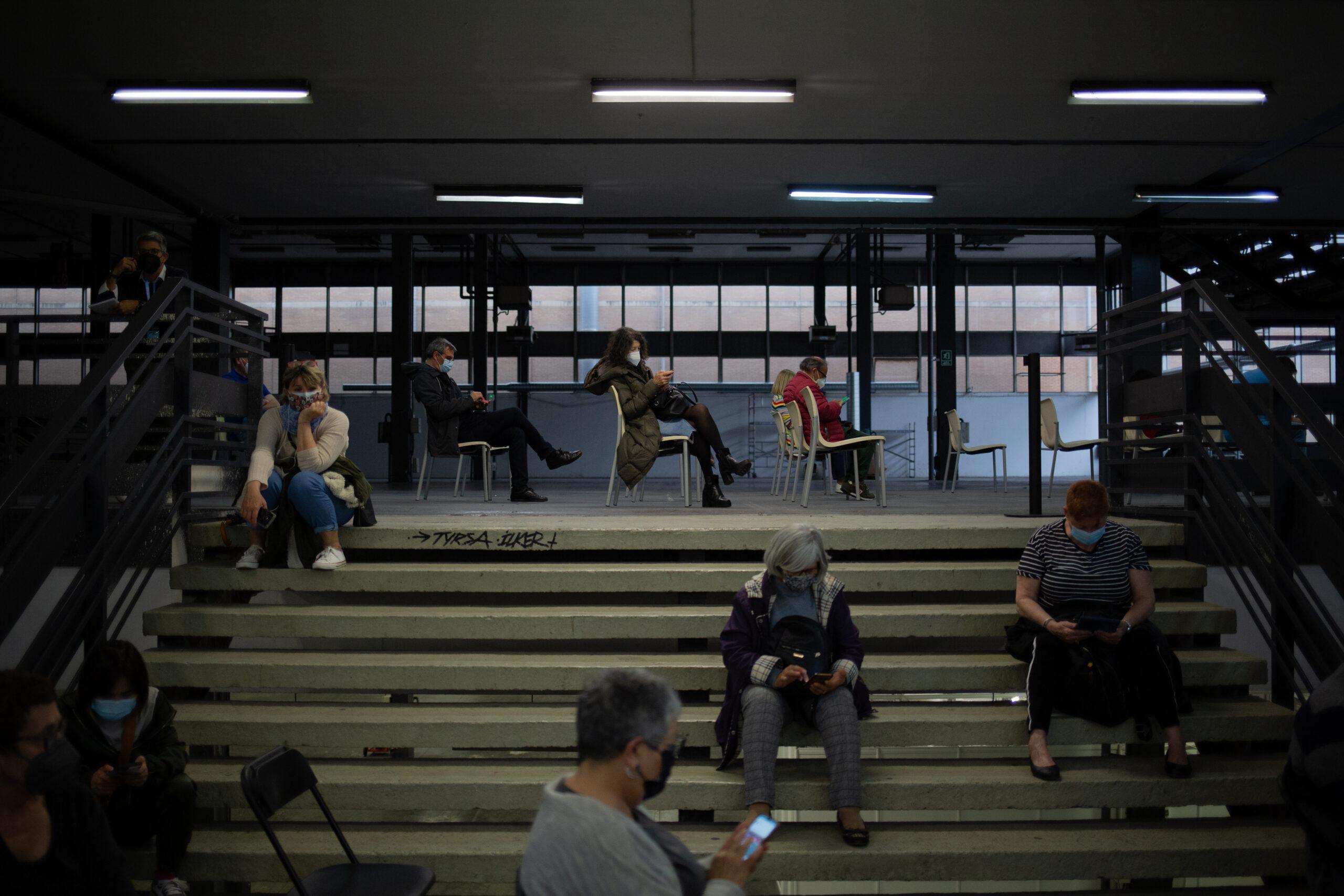 Persones al vacunòdrom de Fira de Barcelona / EP