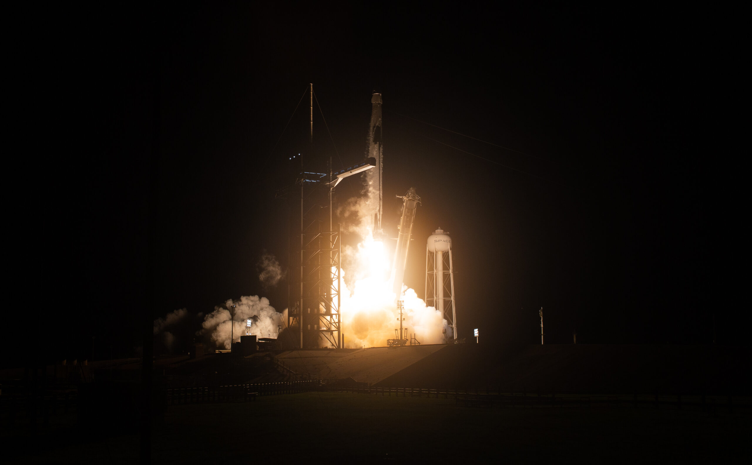 La nau SpaceX  / EP