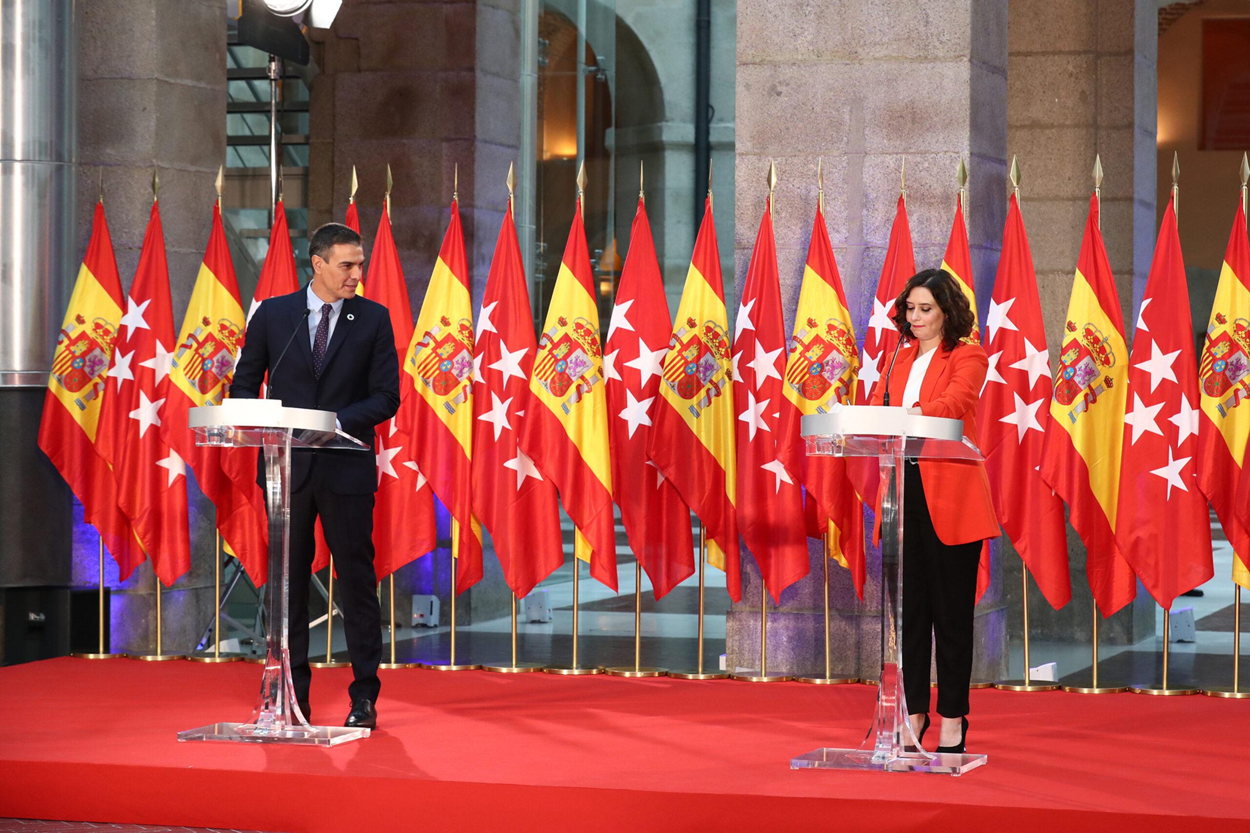 Pedro Sánchezi i Isabel Díaz Ayuso en un acte públic ACN
