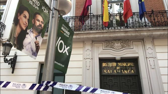 Districte electoral de Salamanca, amb un cartell de Vox/QS