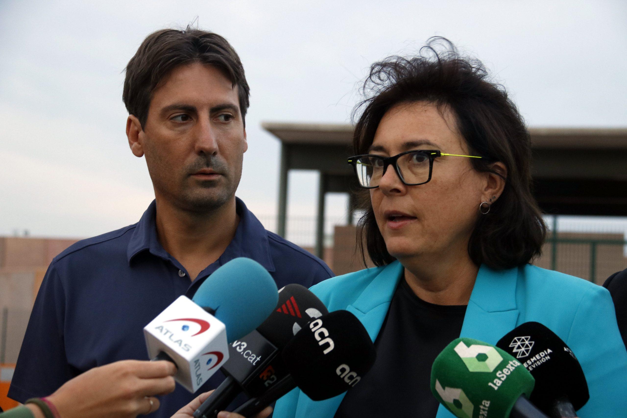 Diana Riba, amb Jordi Solé atenent els mitjans (ACN)