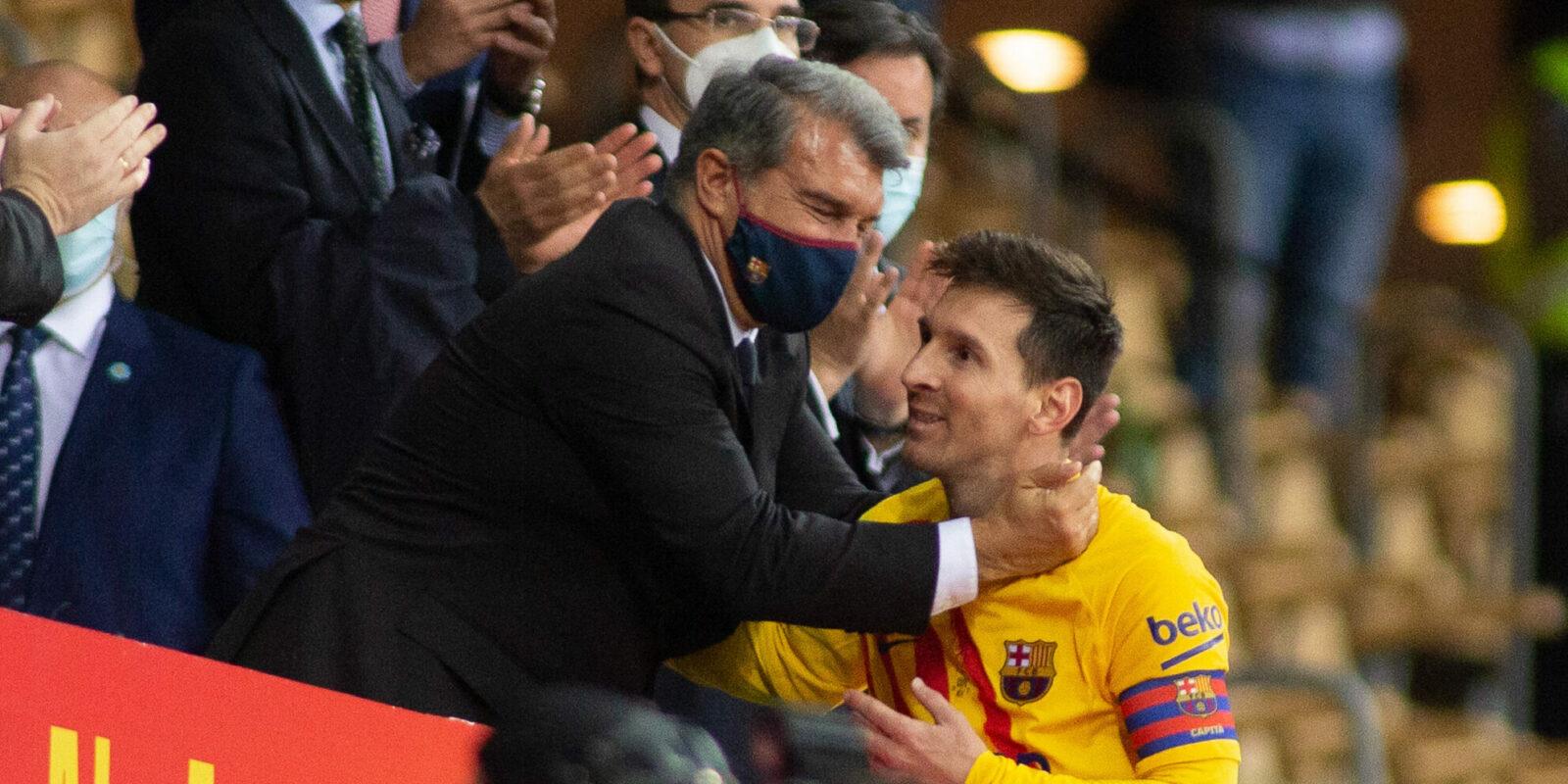 Joan Laporta celebra amb Messi   Europa Press