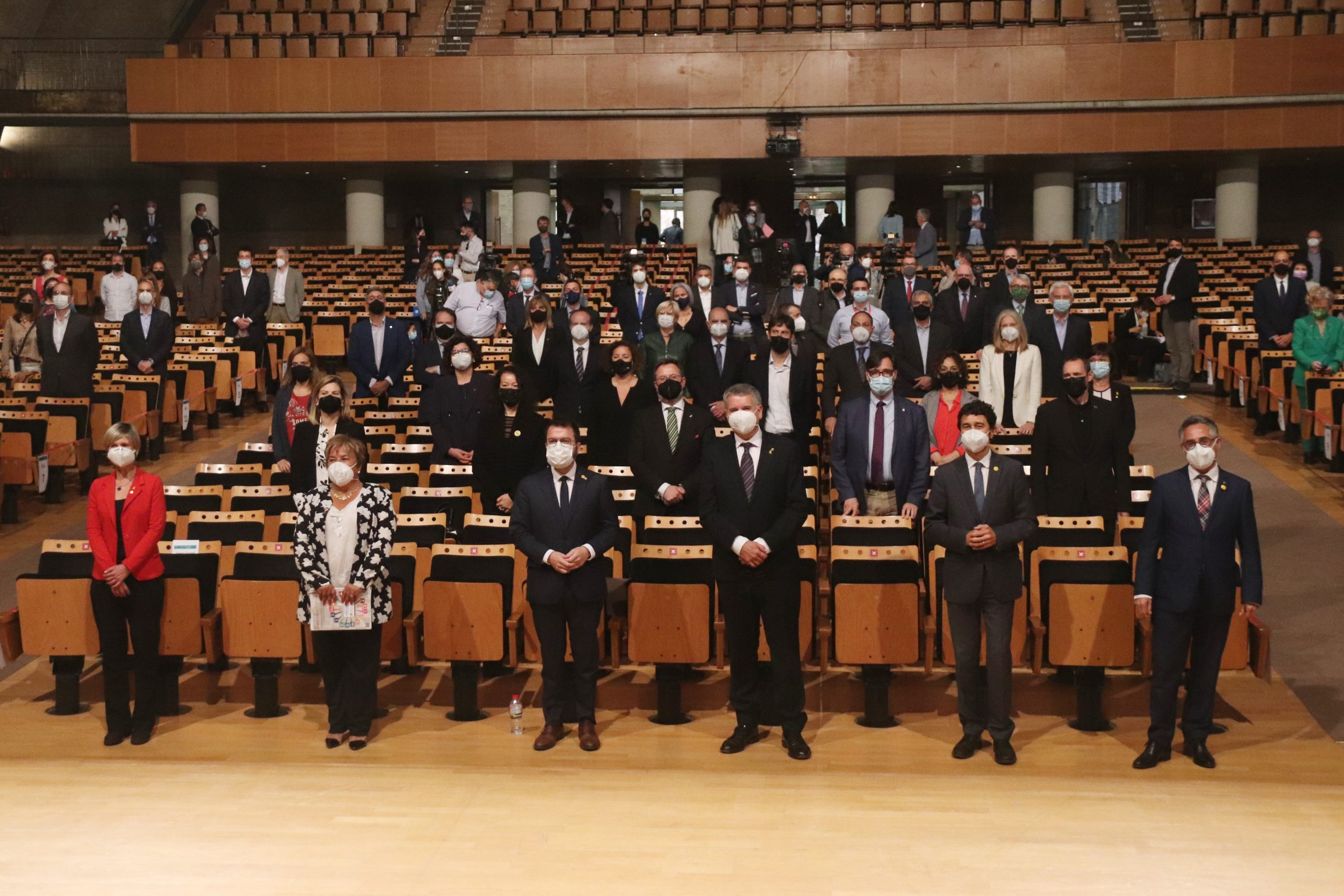 El Palau Firal i de Congressos de Tarragona amb els impulsors de la Vall de l'Hidrogen de Catalunya (ACN)