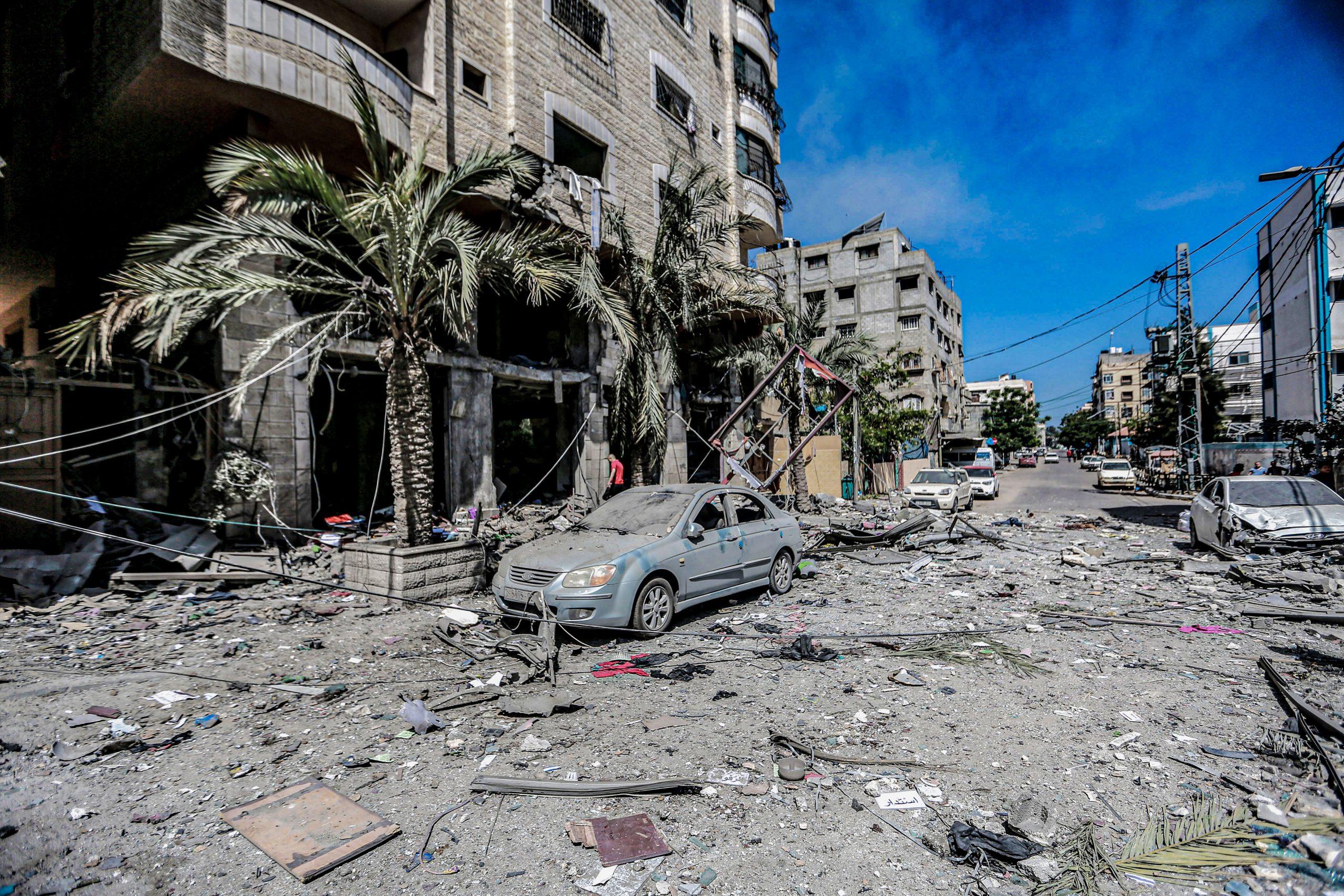 Un carrer després d'haver estat bombardejat per l'exèrcit d'Israel | Mohammed Talatene/dpa (Europa Press)