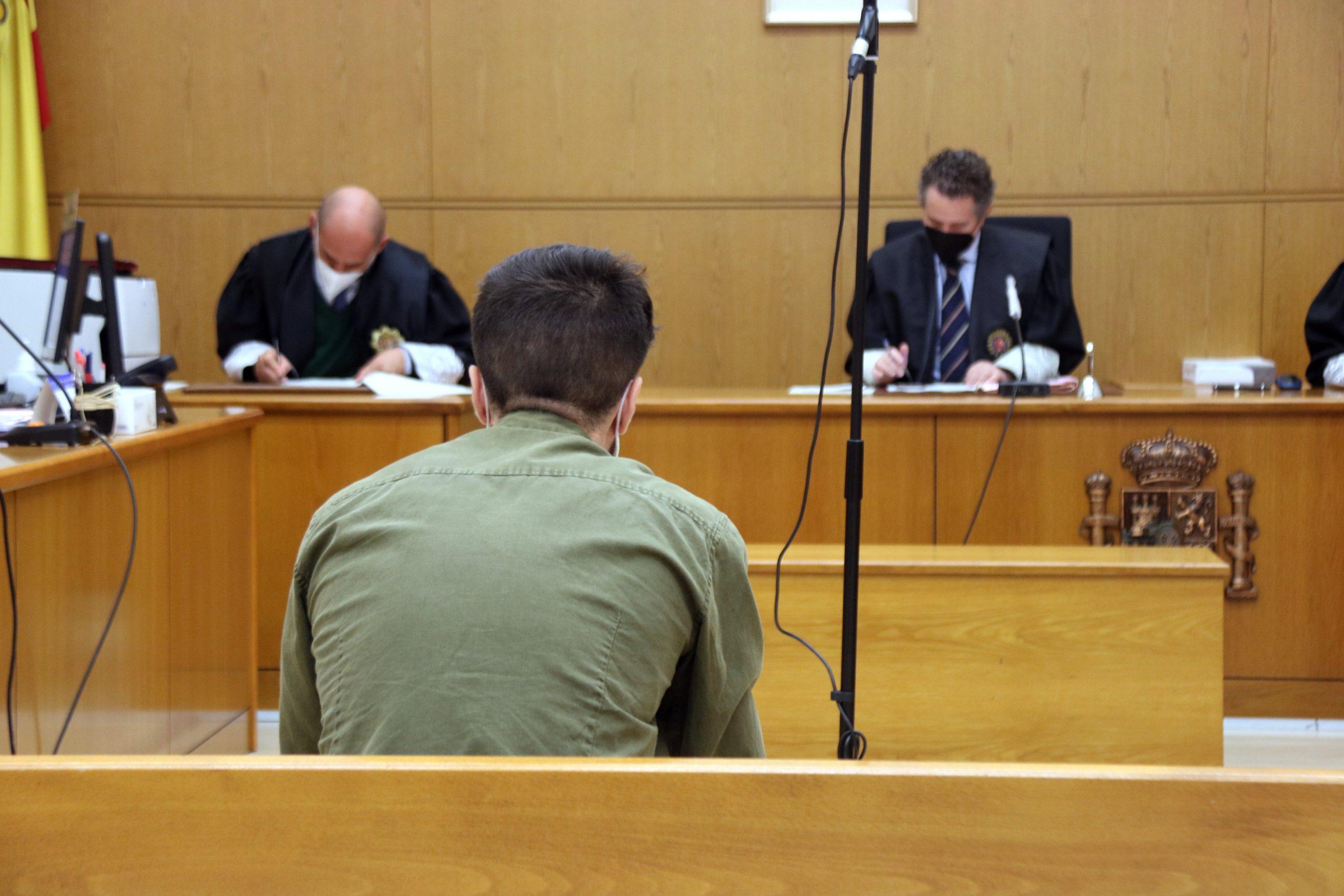 El primer adult jutjat a l'Audiència de Barcelona pels aldarulls post-sentència de l'1-O, el 17 de maig del 2021. (Horitzontal)