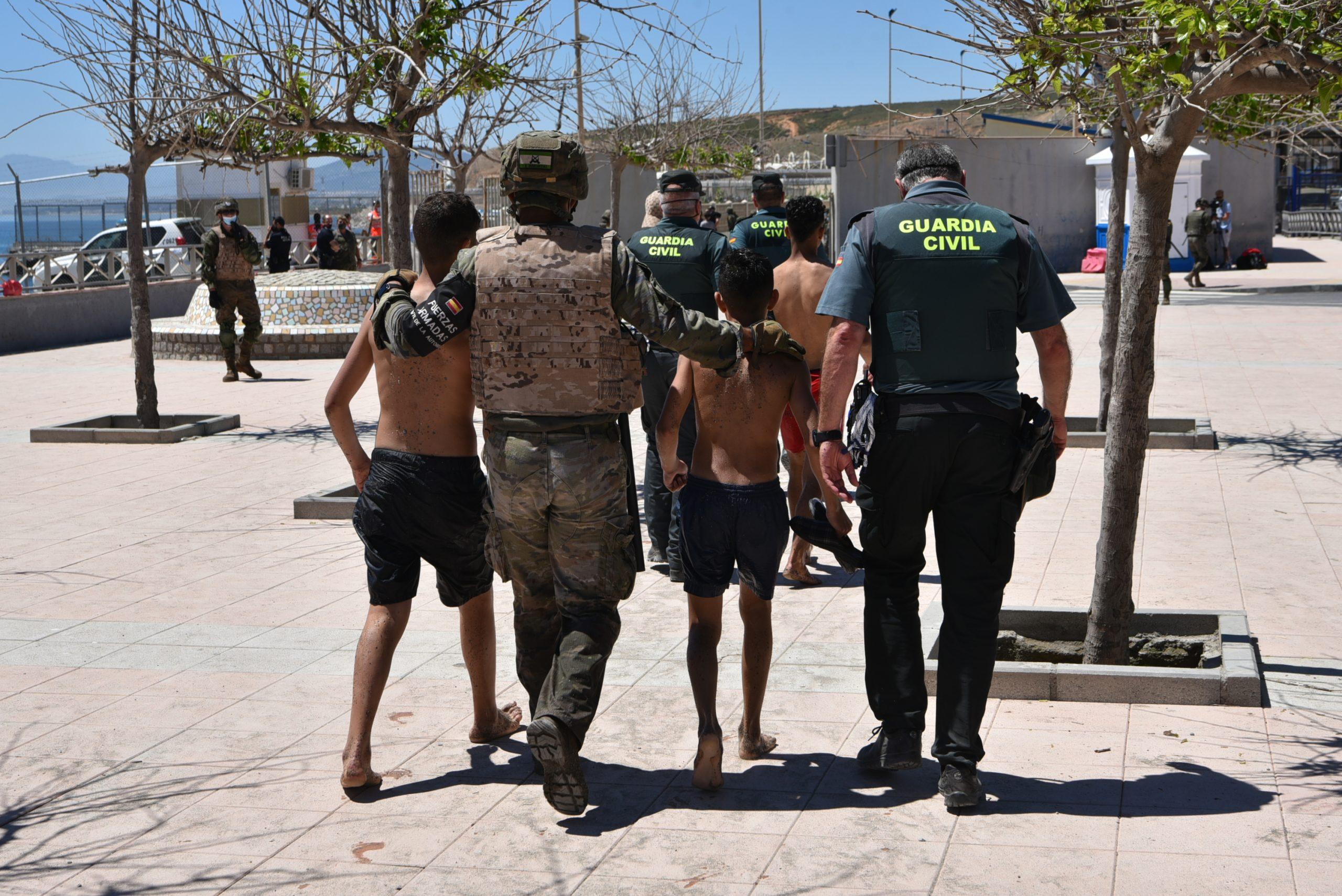 Dos menors migrants arriben a Ceuta  EP