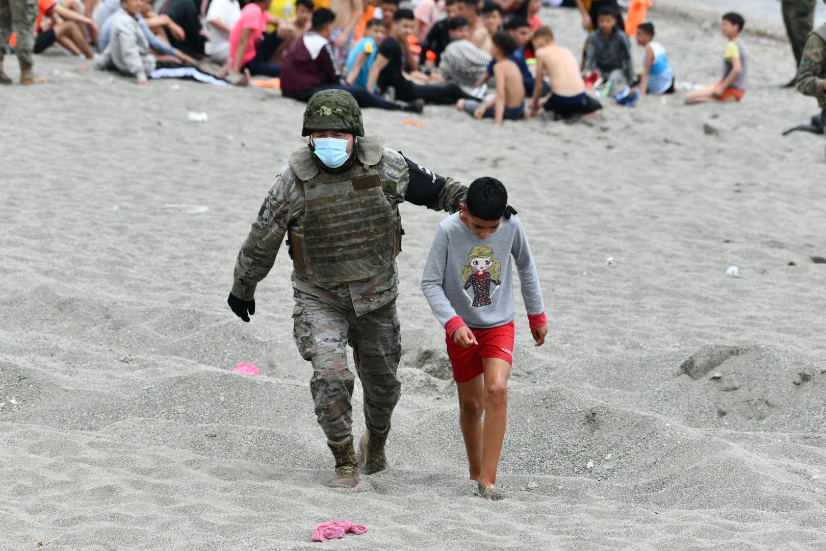 Un militar amb un menor a Ceuta