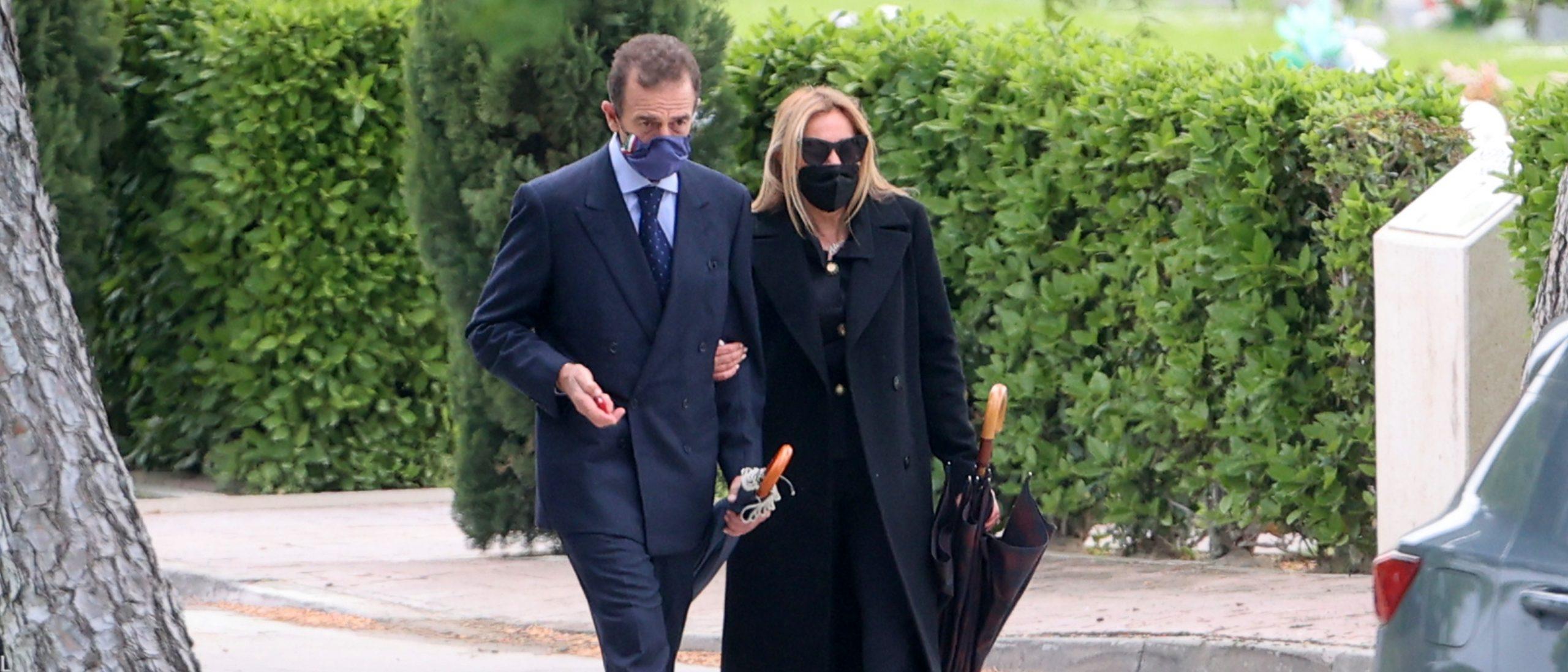 Alessandro Lequio acompanya Ana Obregón al funeral de la mare - Europa Press