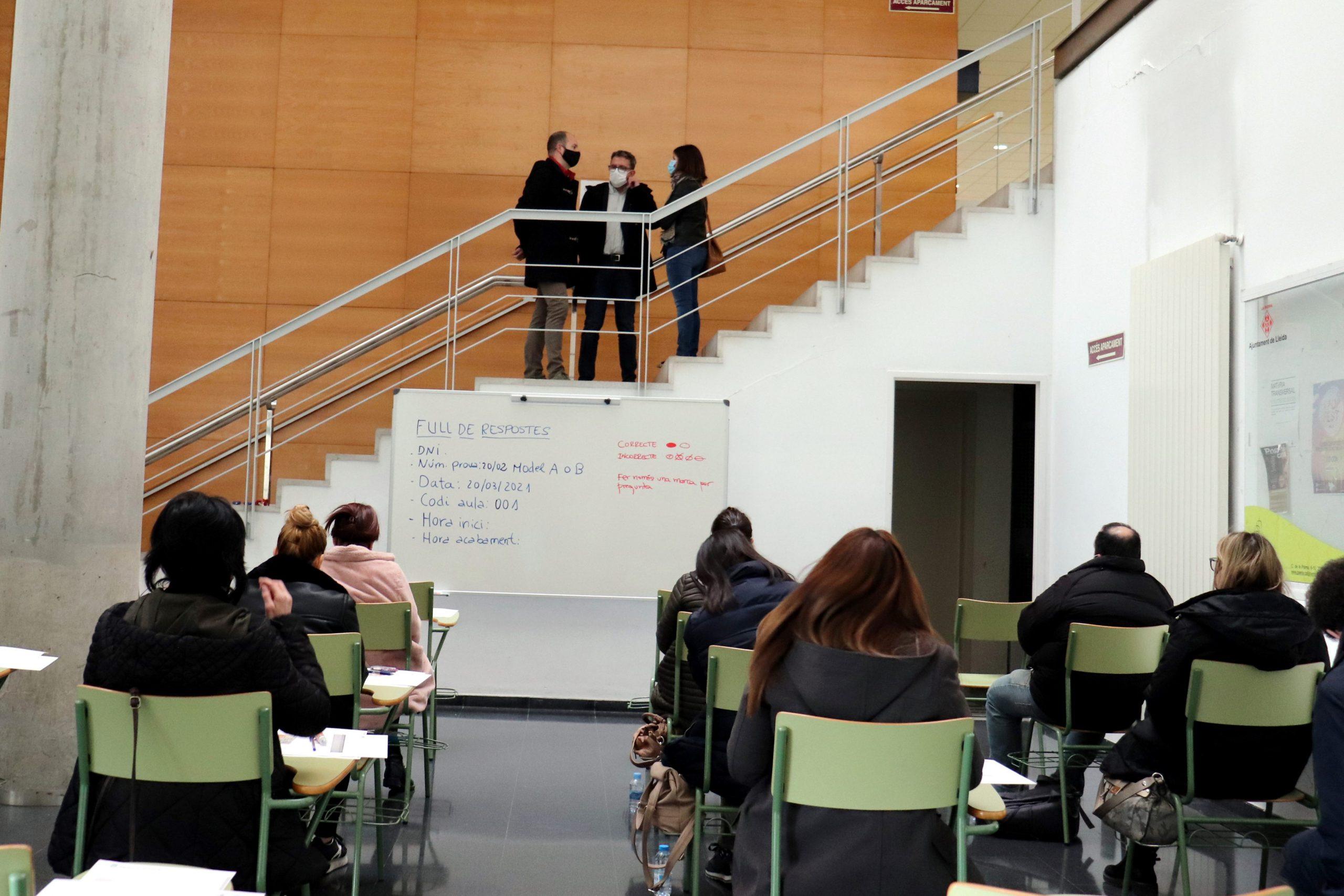 Uuna de les aules de l'Edifici Polivalent de la UdL que s'ha adaptat per fer les proves d'oposicions  (ACN)