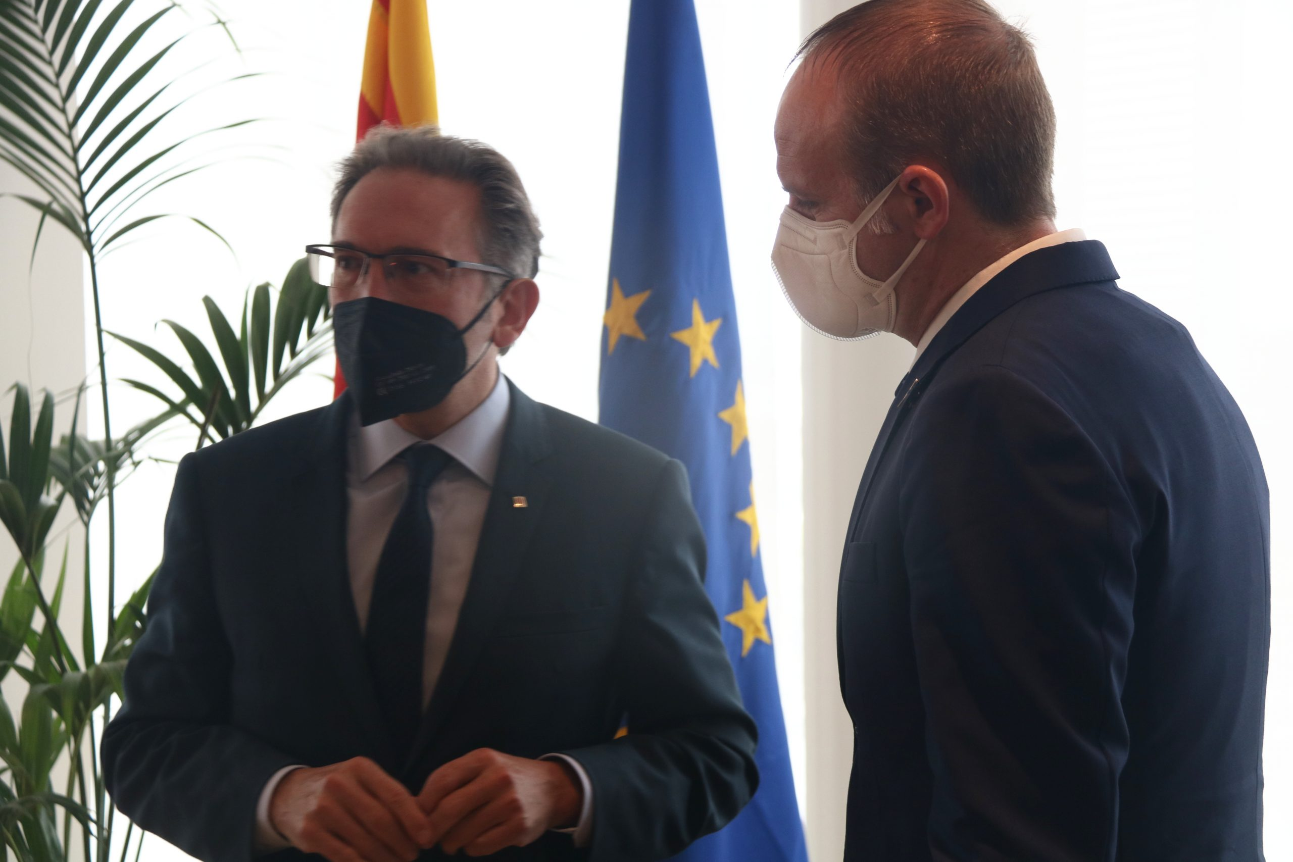 Jaume Giró conversant amb Albert Castellanos   ACN