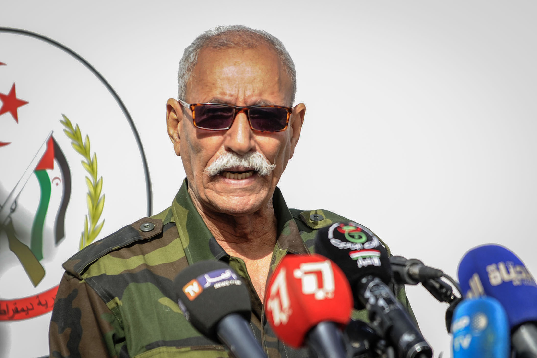 FILED - 27 February 2021, Algeria, Tindouf: Sahrawi President Brahim Ghali speaks during a military parade marking the 45th anniversary of the declaration of the Sahrawi Arab Democratic Republic (SADR), near the south-western Algerian city of Tindouf, considered as the Sahrawi capital in exile. Ghali has been hospitalized in Spain for treatment of COVID-19. Photo: STR/dpa   (Foto de ARCHIVO) 27/2/2021 ONLY FOR USE IN SPAIN