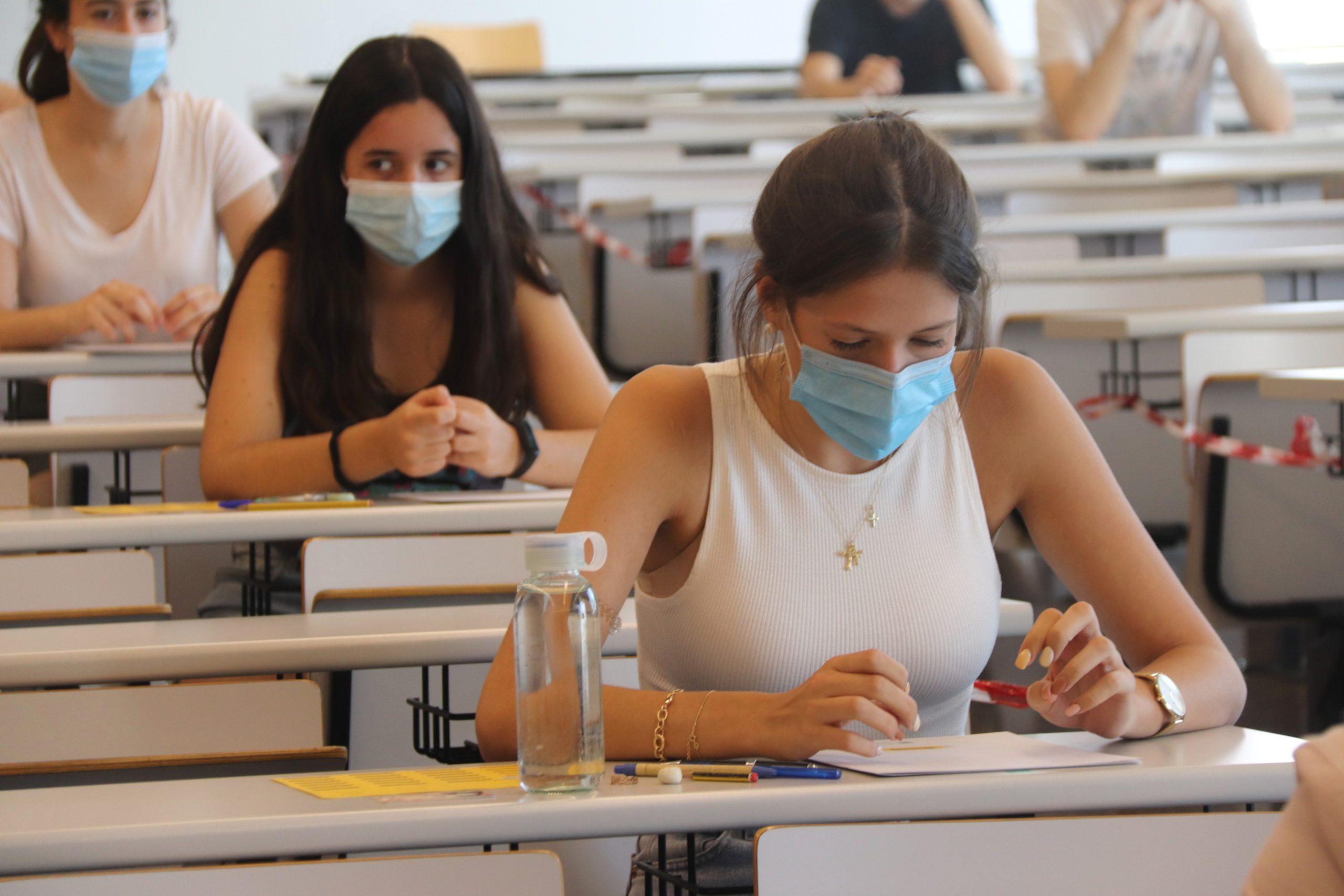 Estudiants just abans de començar el primer examen de selectivitat al Campus Catalunya de la URV | ACN