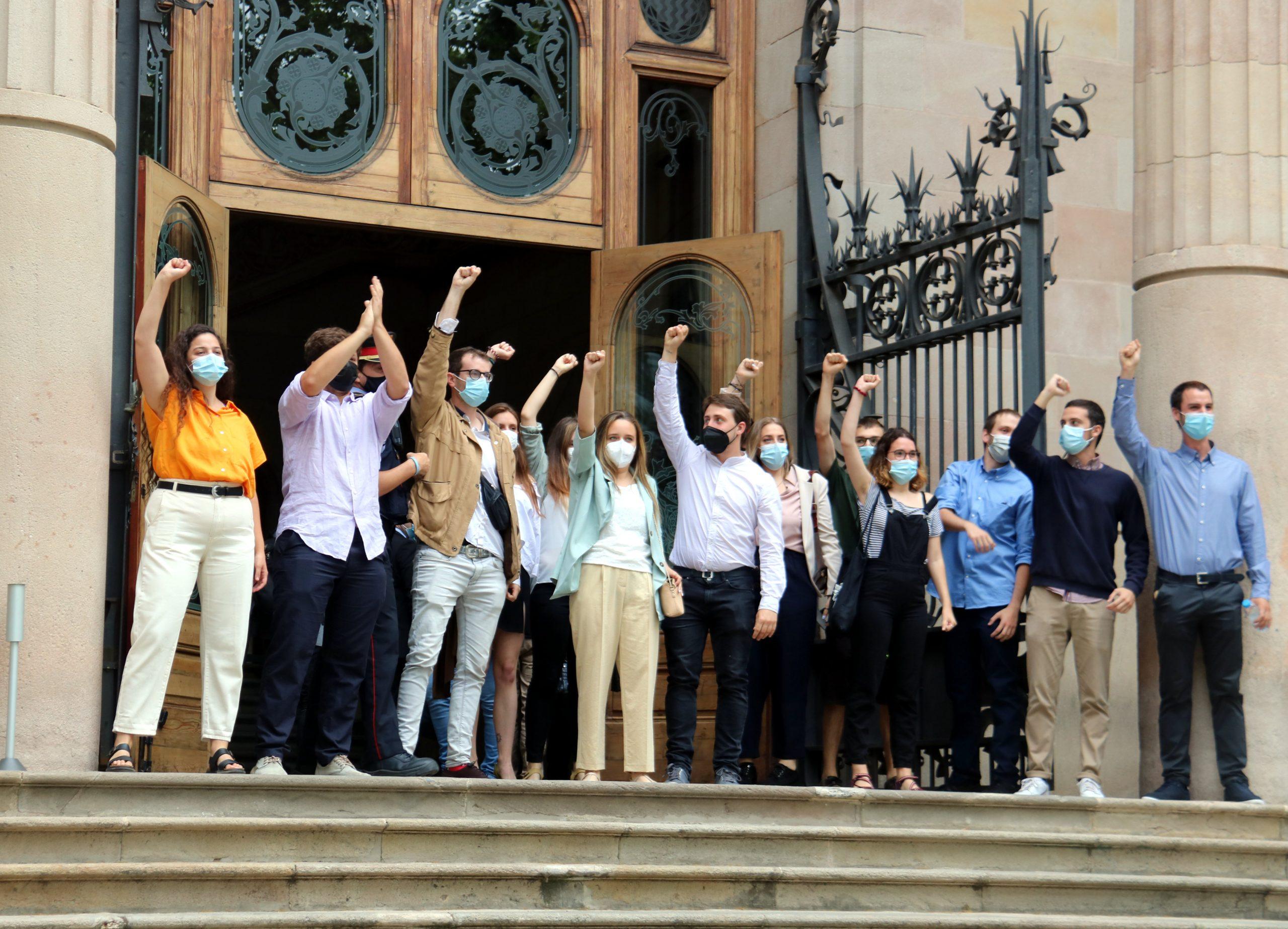 Els universitaris jutjats entrant a l'Audiència de Barcelona (ACN)