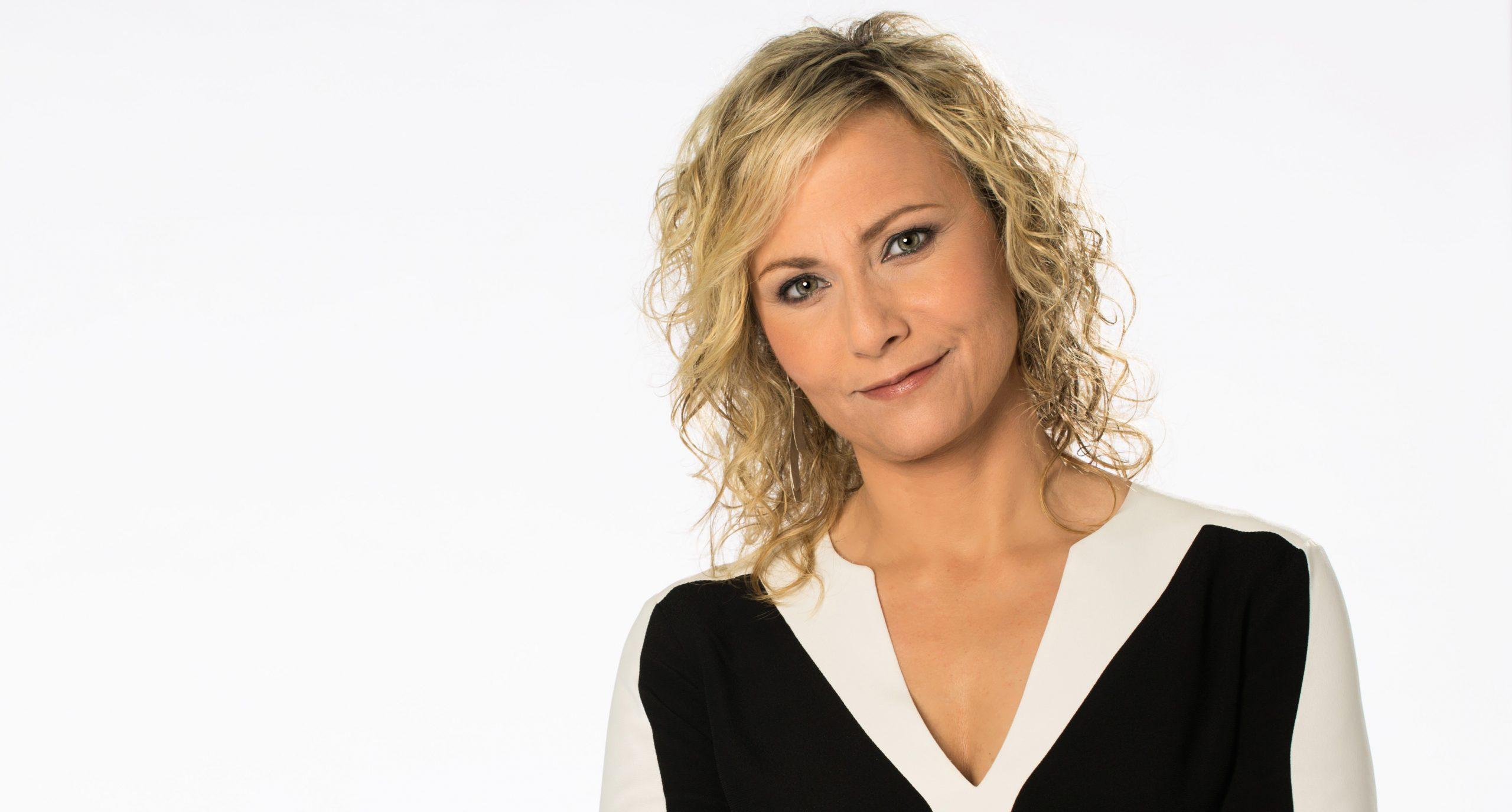 La periodista Mònica Terribas en una imatge promocional de la temporada 2019-2020 de Catalunya Ràdio | ACN