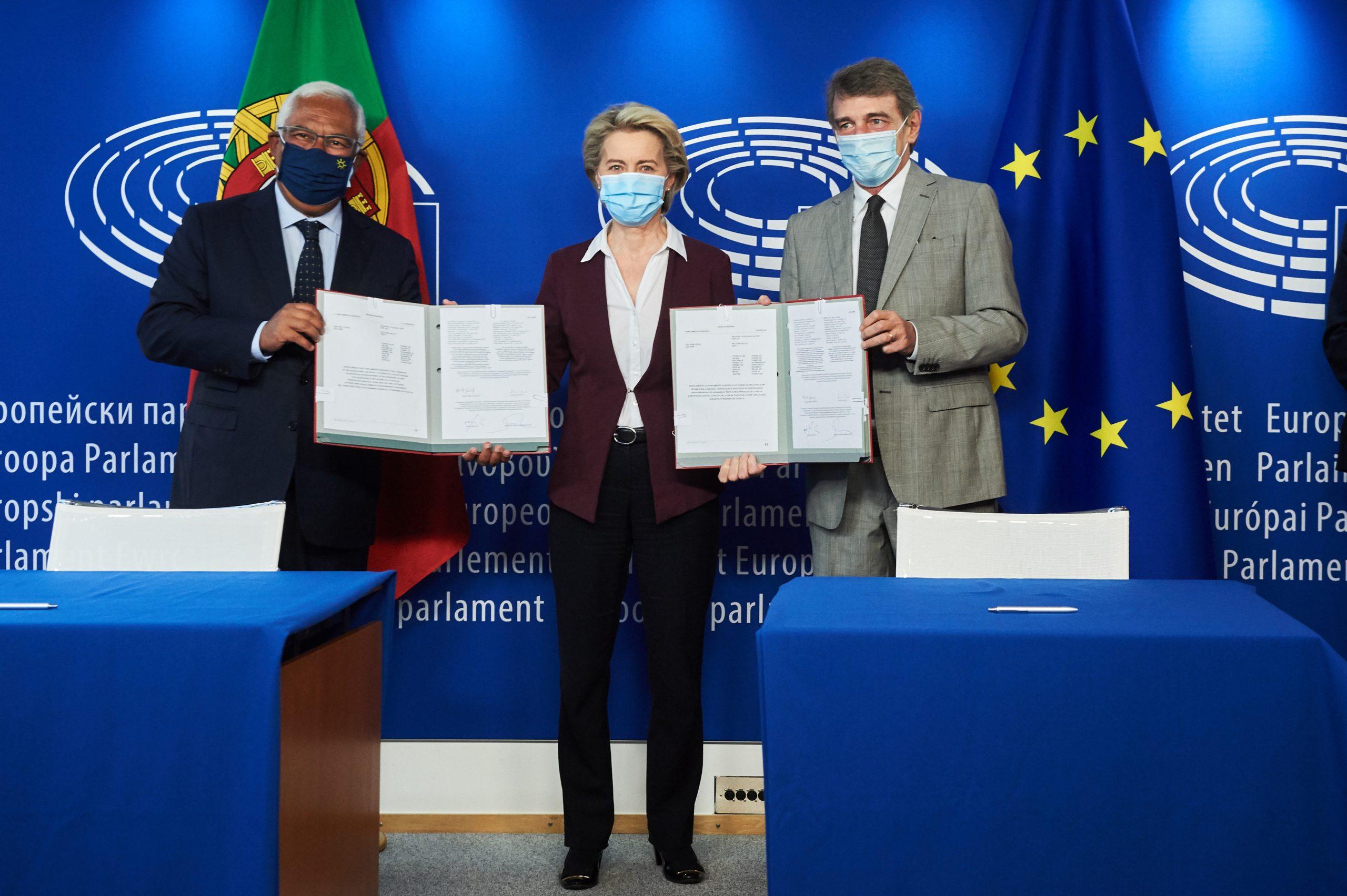 Ant—ónio Costa, Ursula von der Leyen and David Sassoli | ACN