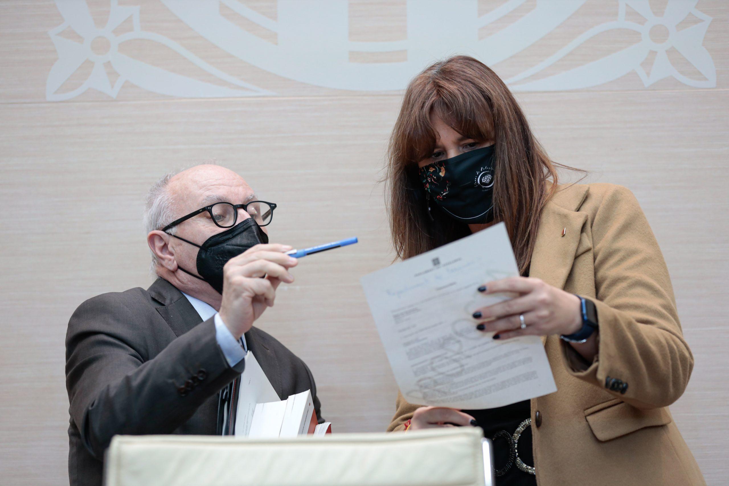 La presidenta del Parlament, Laura Borràs, amb el fins ara secretari general, Xavier Muro / ACN