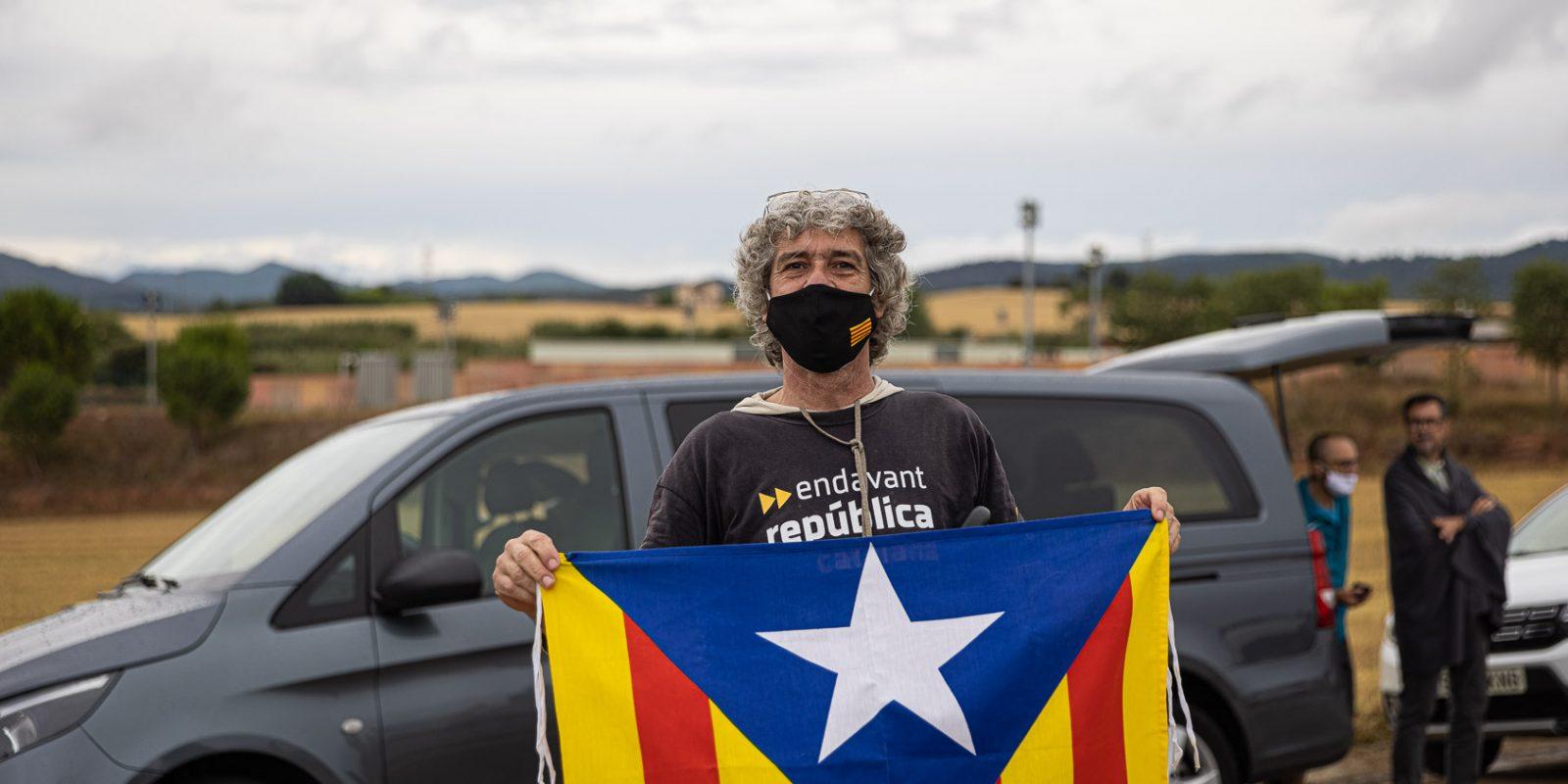 Esperant la sortida dels presos de Lledoners / Jordi Borràs