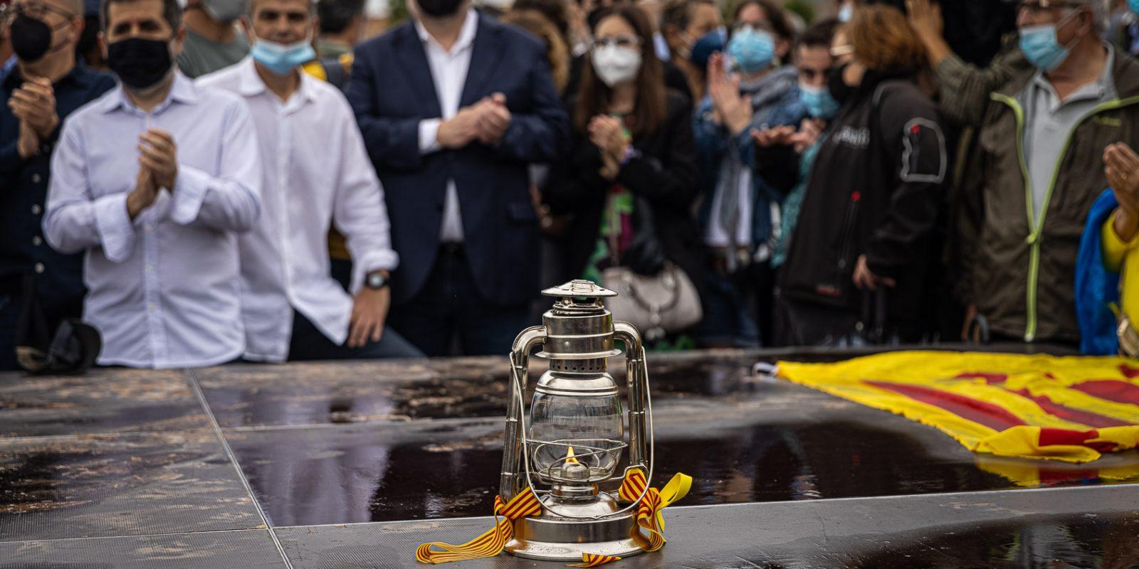 Sànchez, Turull i Junqueras, el dia de l'alliberament dels presos polítics de l'1-O per l'indult, a la sortida de Lledoners / Jordi Borràs