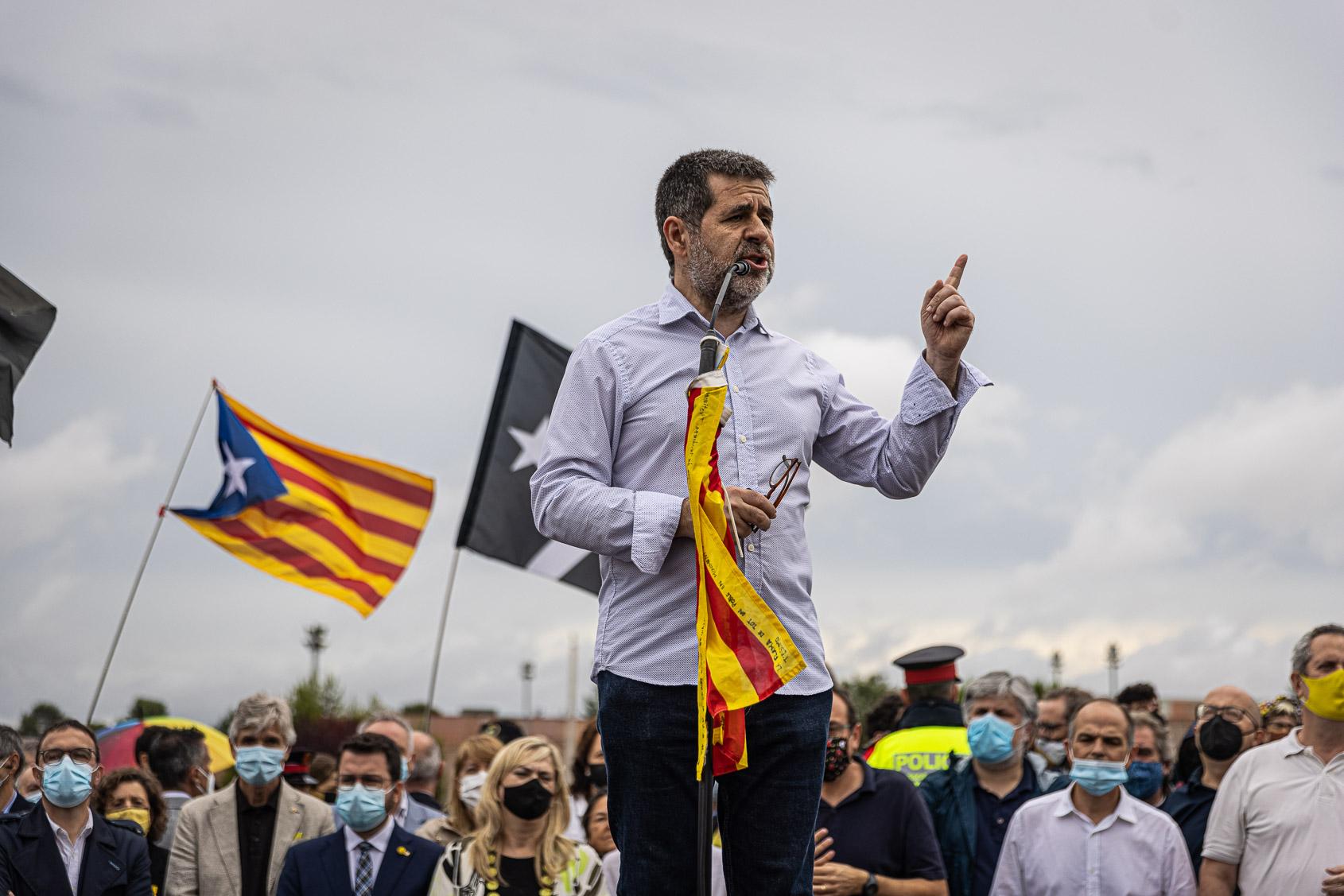 Sànchez, el dia de l'alliberament dels presos polítics de l'1-O per l'indult, a la sortida de Lledoners / Jordi Borràs