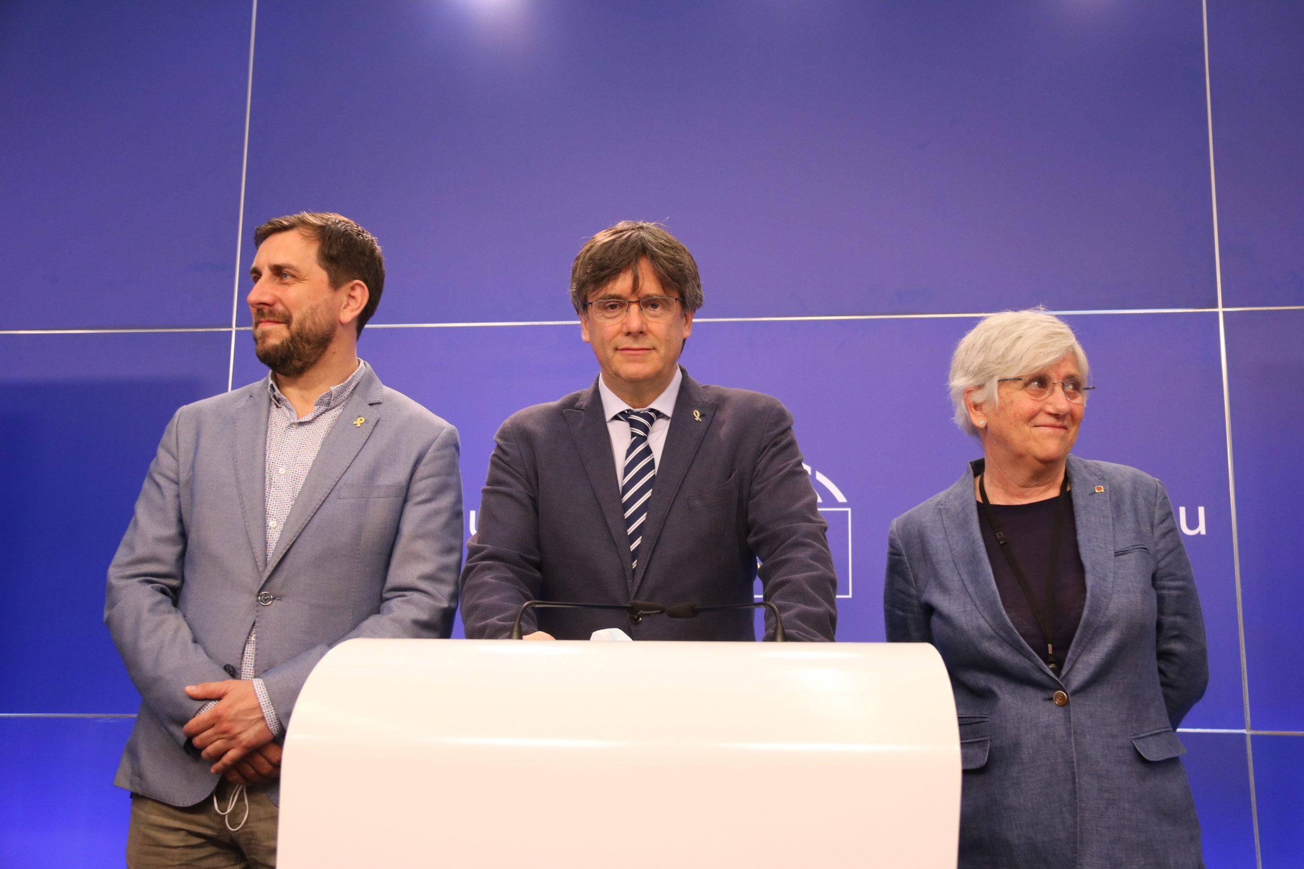 Carles Puigdemont, Toni Comín i Clara Ponsatí durant la roda de premsa  després que la justícia europea els retorni provisionalment la immunitat / ACN
